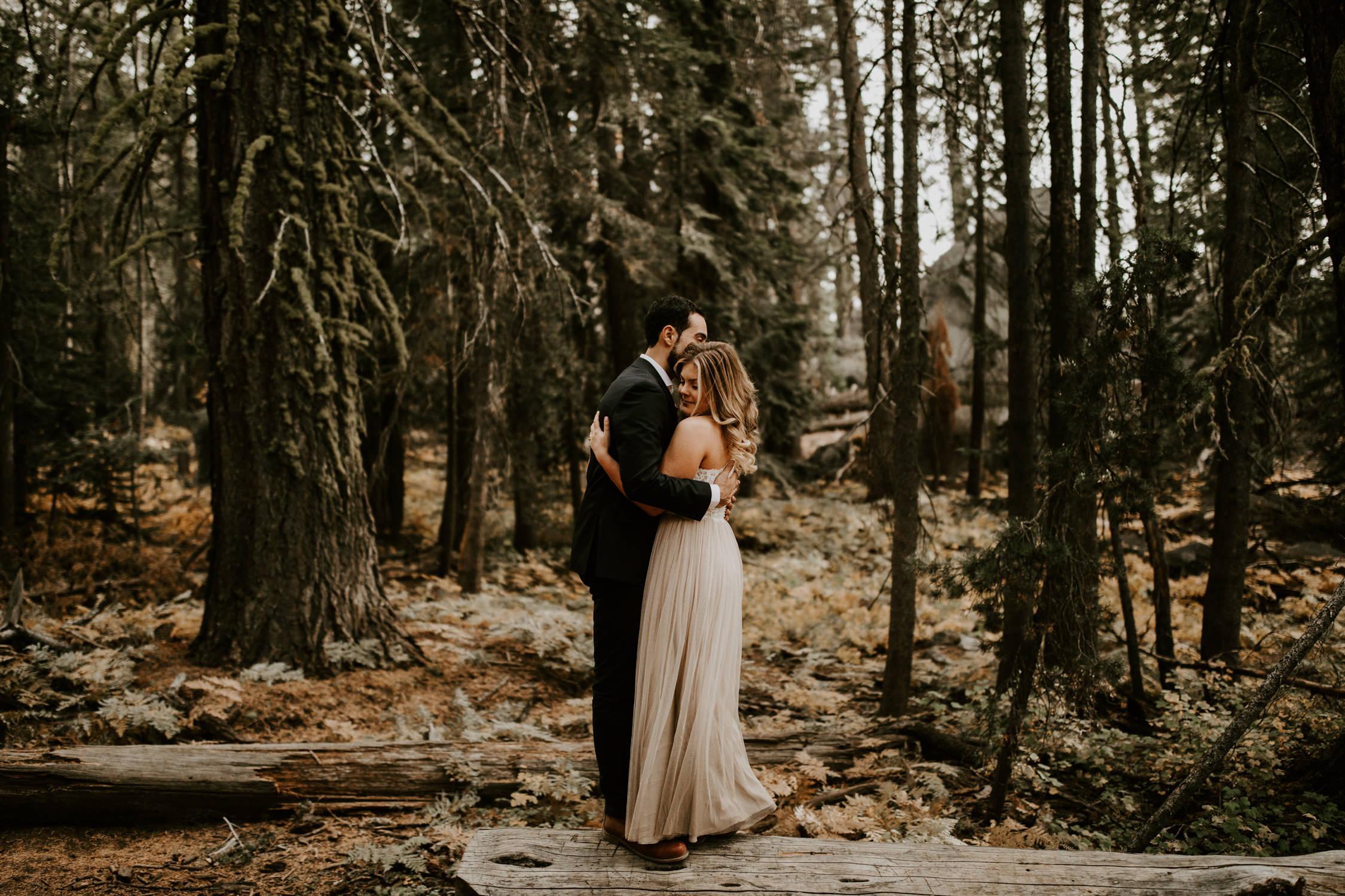 couple-elopement-yosemite-california_0055.jpg