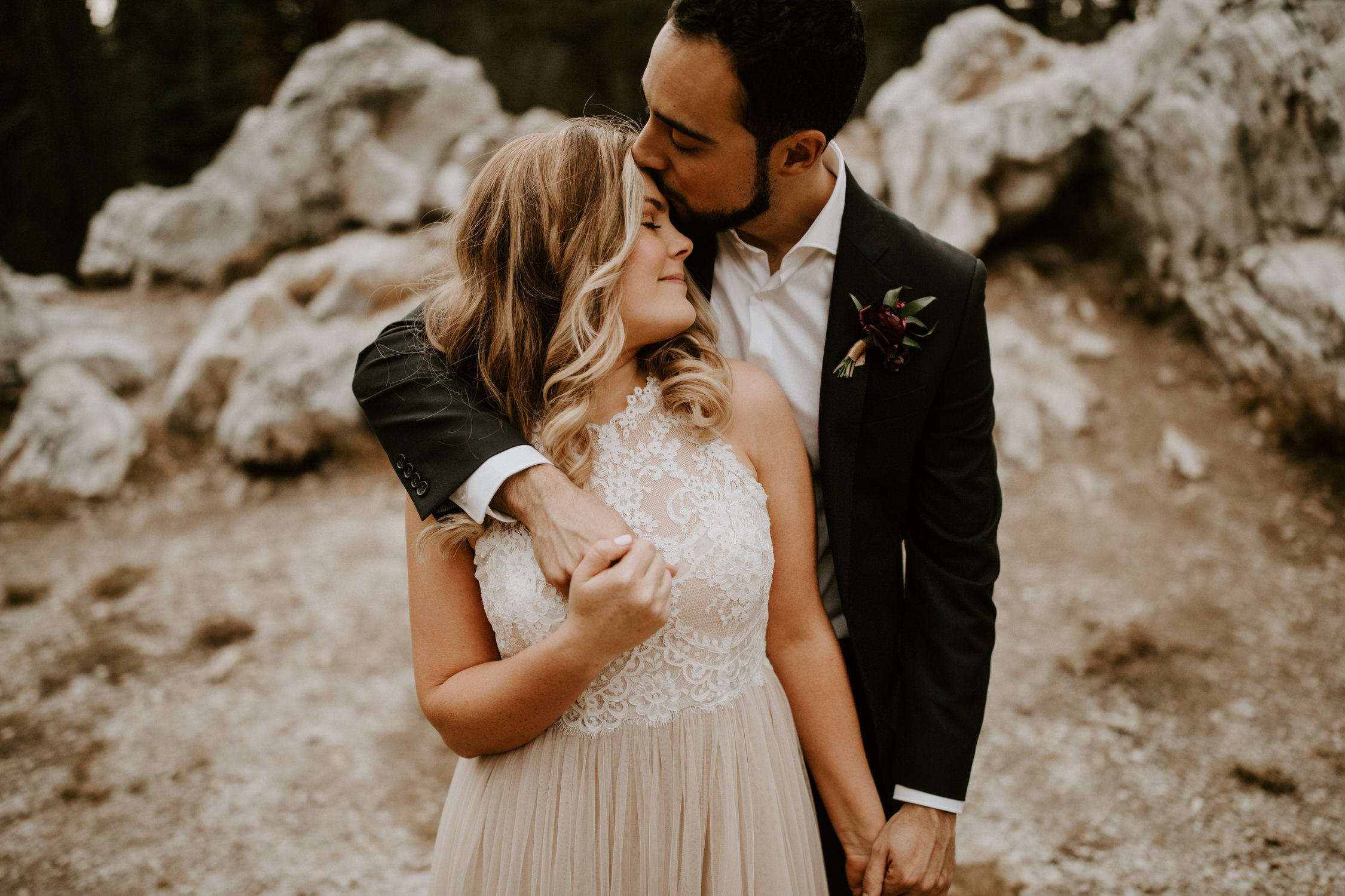 couple-elopement-yosemite-california_0064.jpg