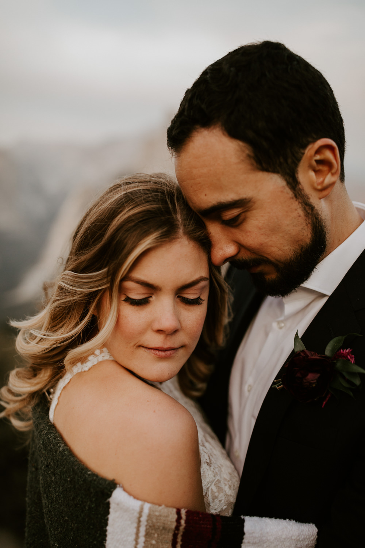 couple-elopement-yosemite-california_0075.jpg