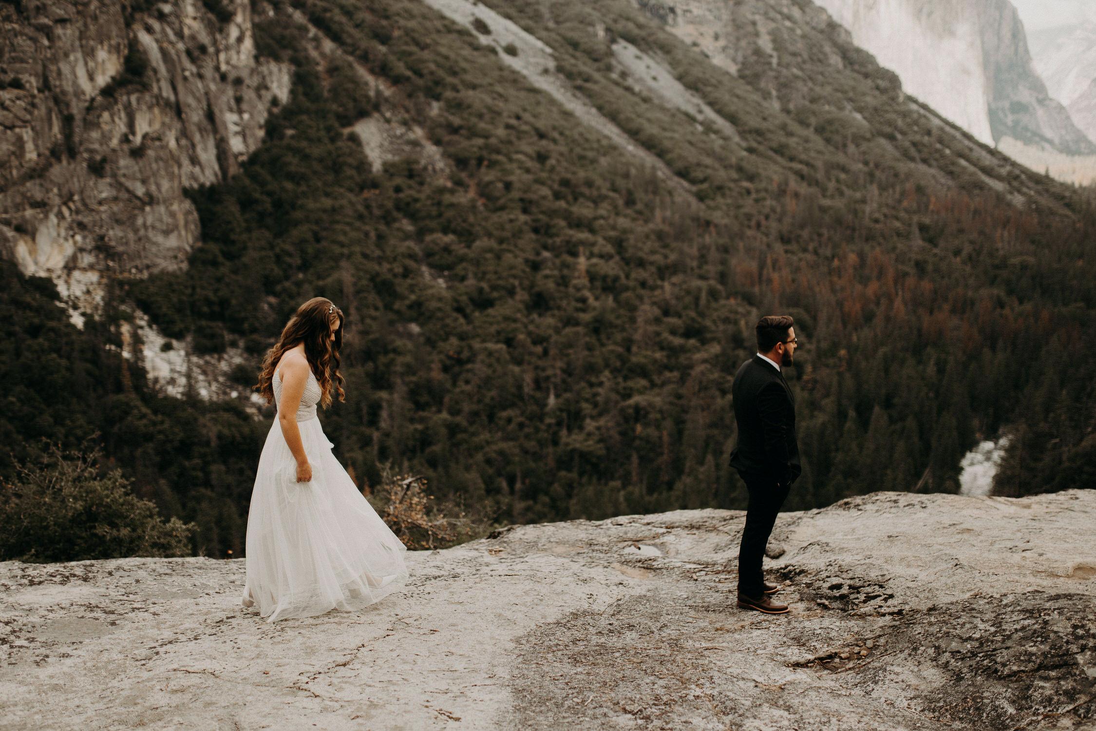 intimate-couple-elopement-yosemite-20.jpg