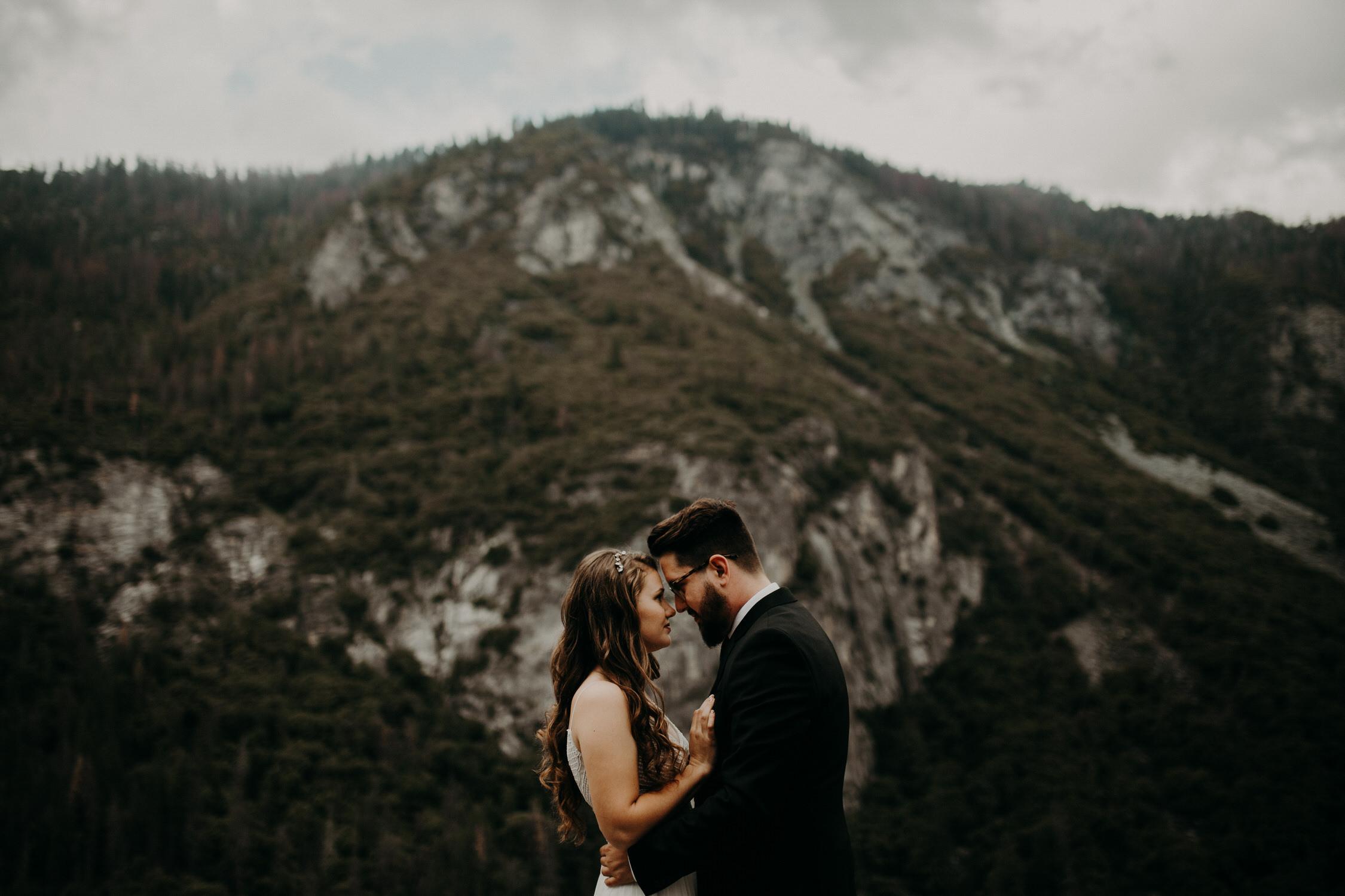 intimate-couple-elopement-yosemite-37.jpg