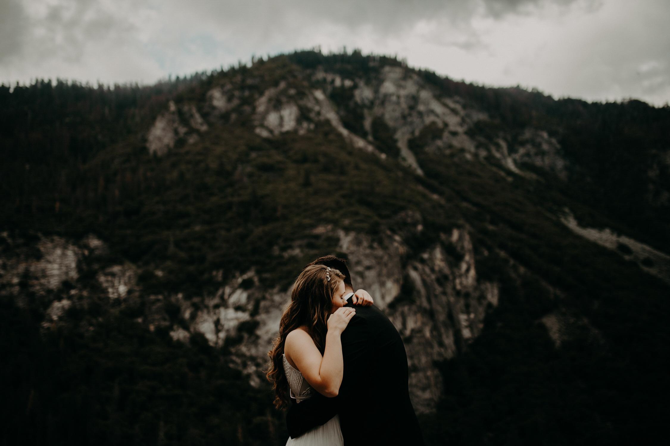 intimate-couple-elopement-yosemite-40.jpg