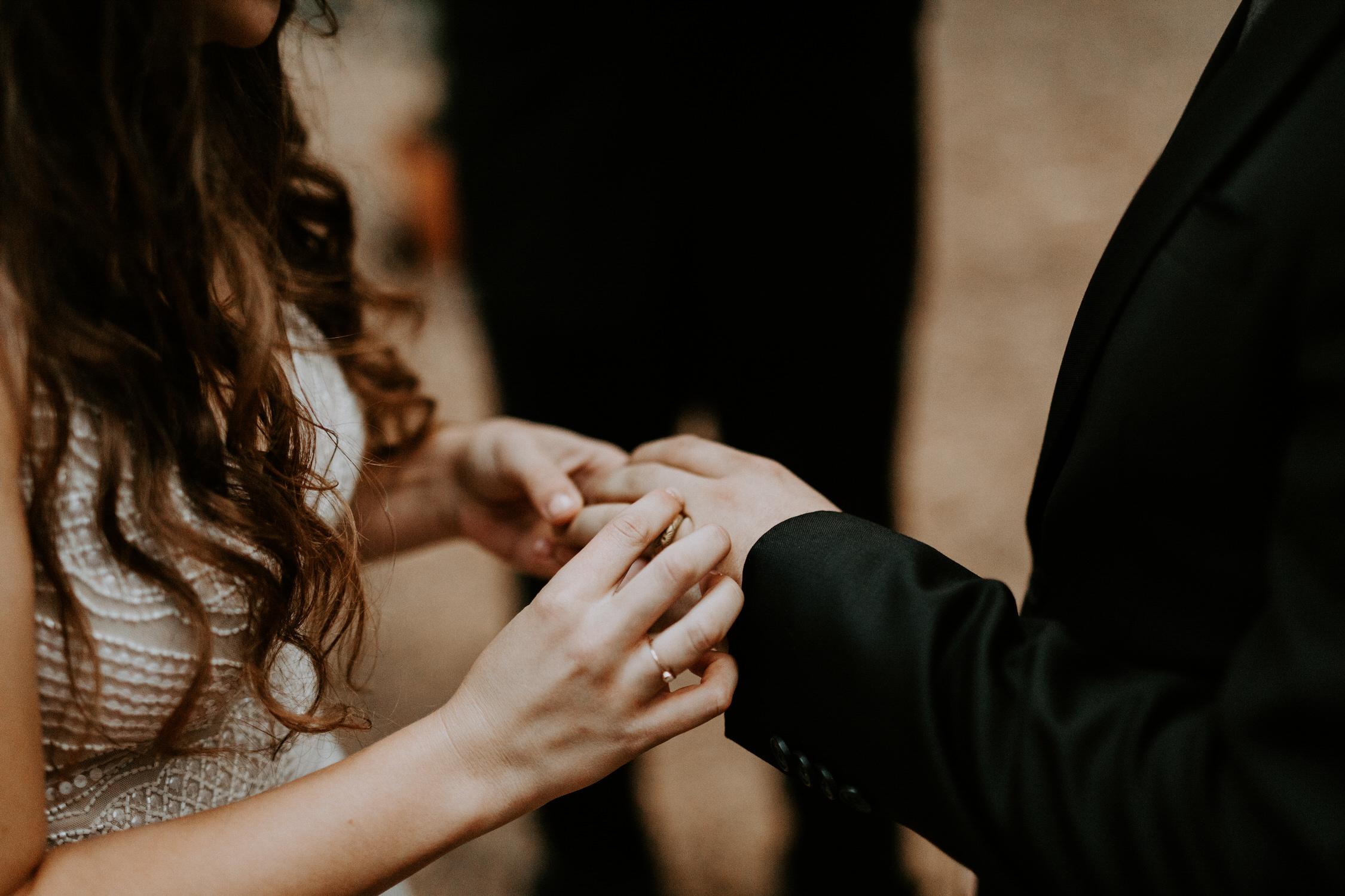 intimate-couple-elopement-yosemite-115.jpg