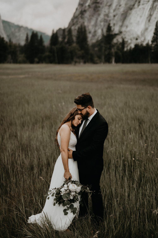 intimate-couple-elopement-yosemite-139.jpg
