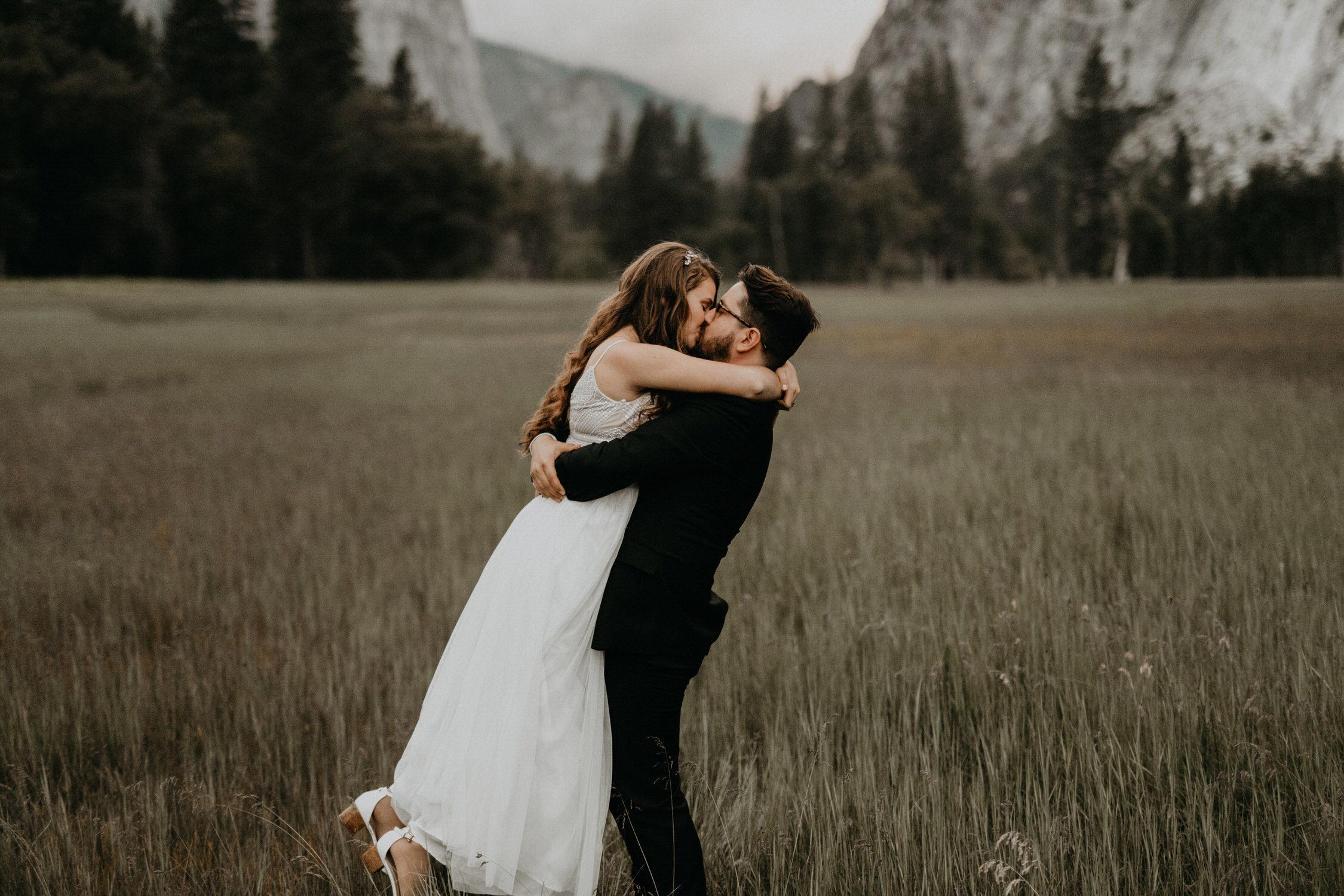 intimate-couple-elopement-yosemite-144.jpg