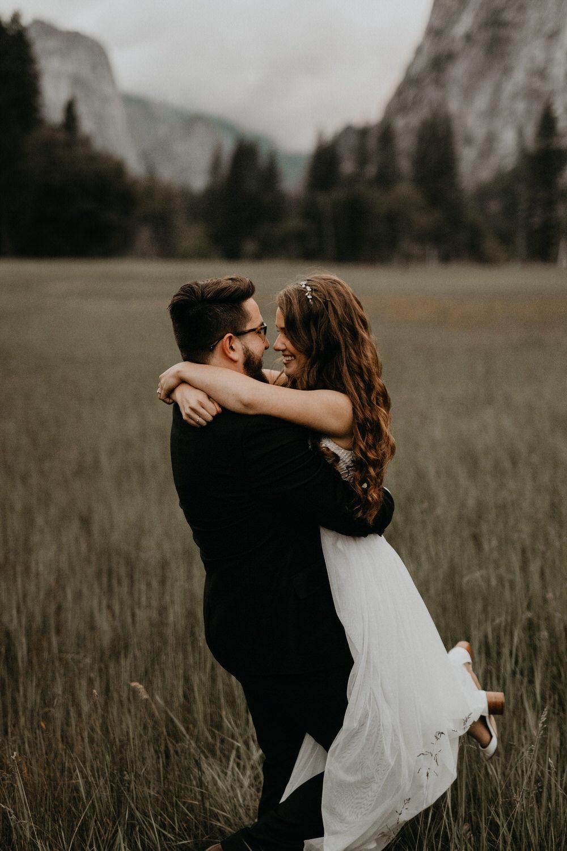 intimate-couple-elopement-yosemite-146.jpg