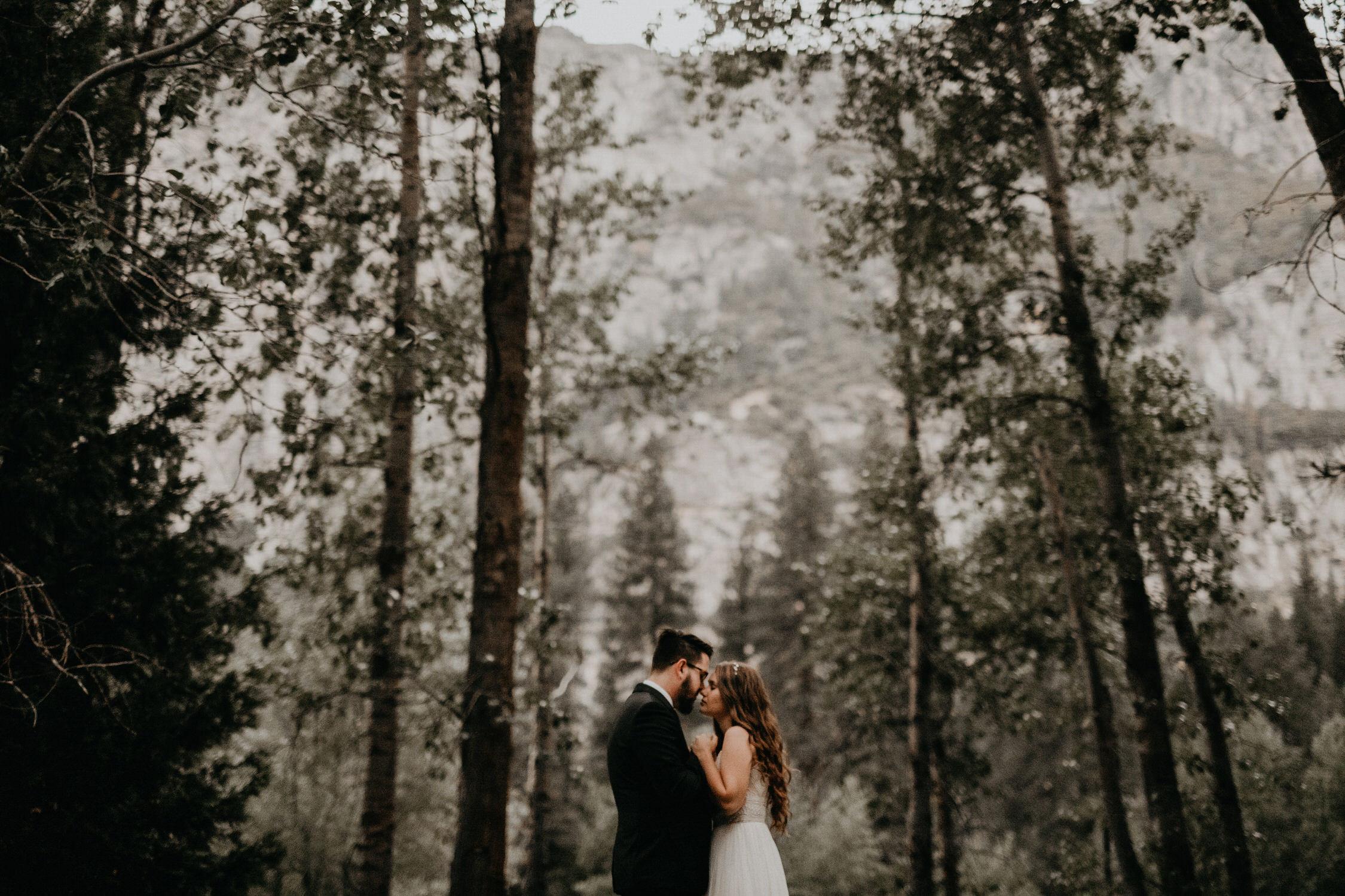 intimate-couple-elopement-yosemite-170.jpg