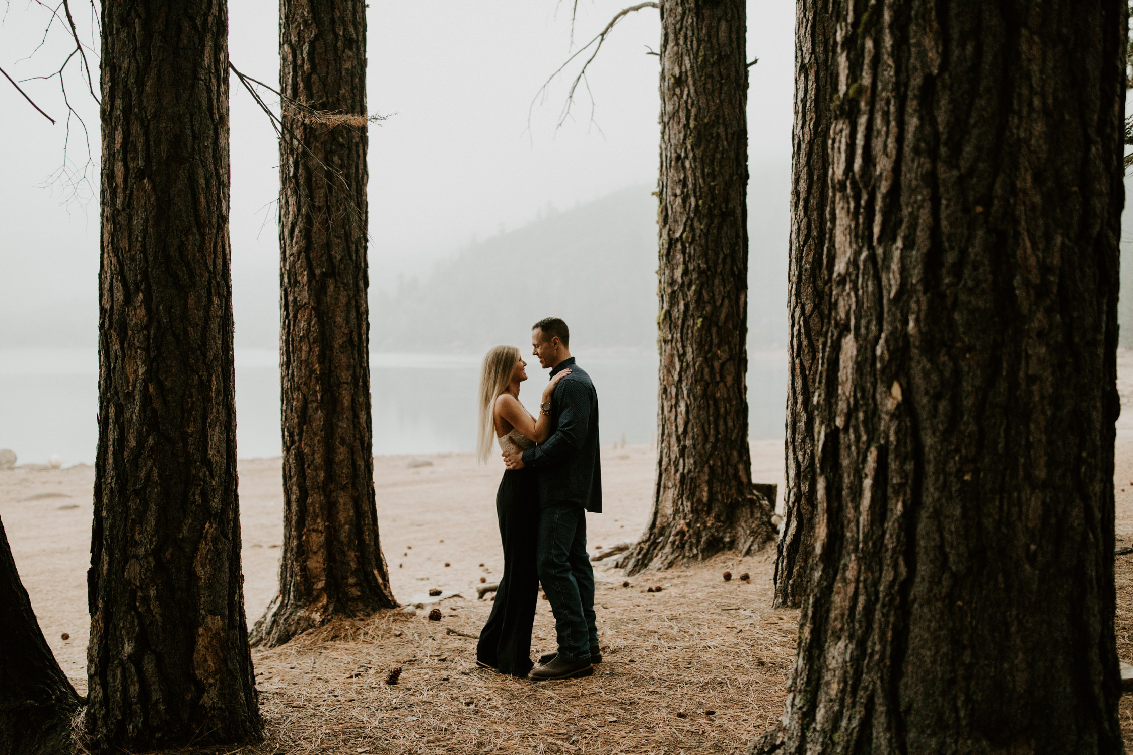 couple-intimate-engagement-session-northern-california-10.jpg