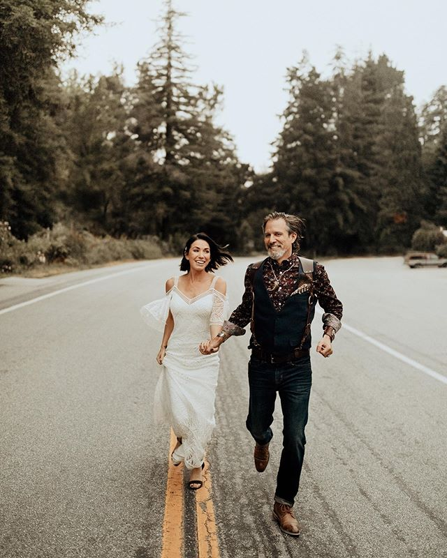Ran around in the forest with Jeff + Tanya for their intimate wedding in Big Sur last weekend. These two were so chill and focused on what mattered. Their closest friends and family and their love for each other. It was a perfect day 👌🏼