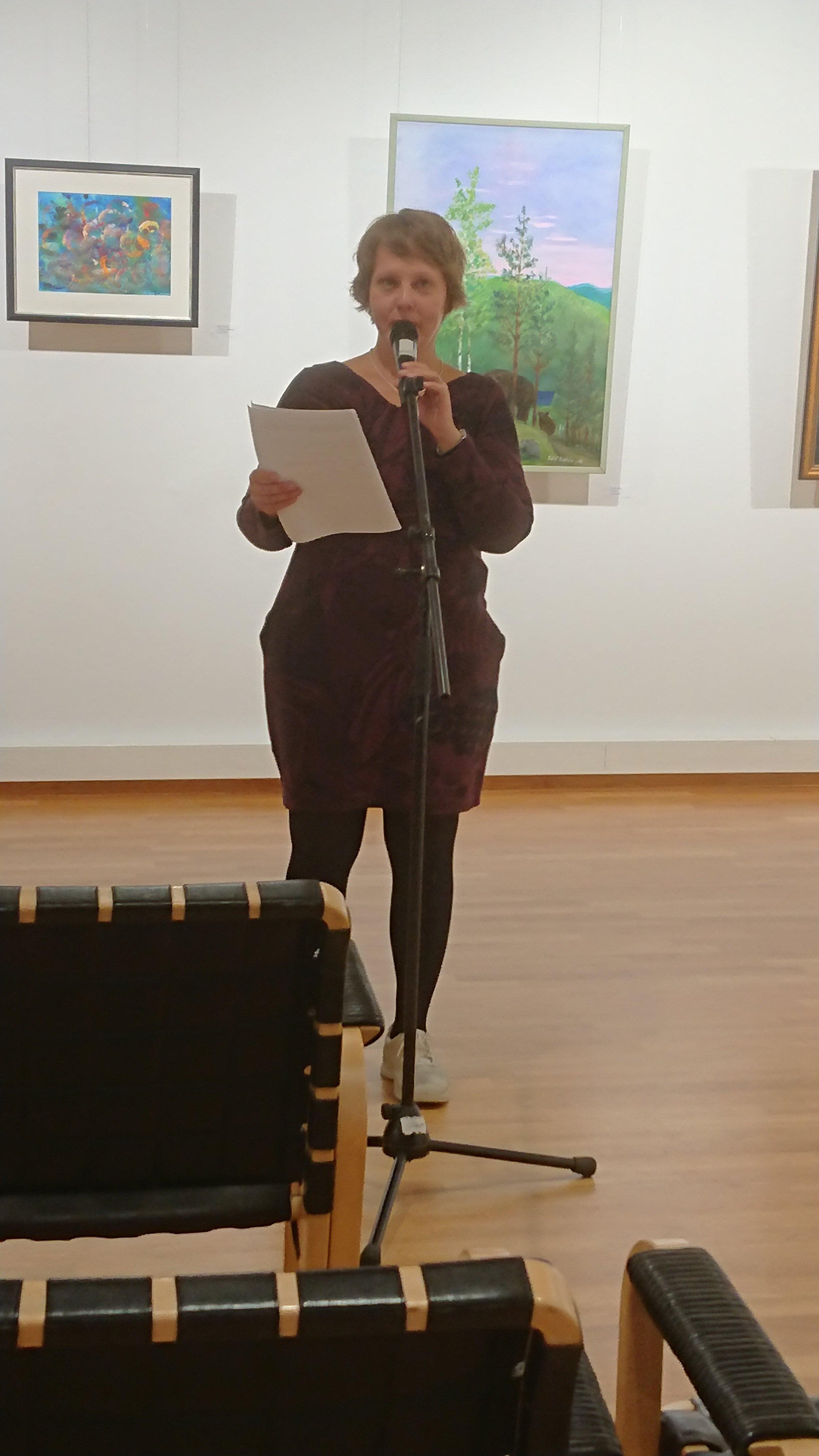Kati laulaa.JPG