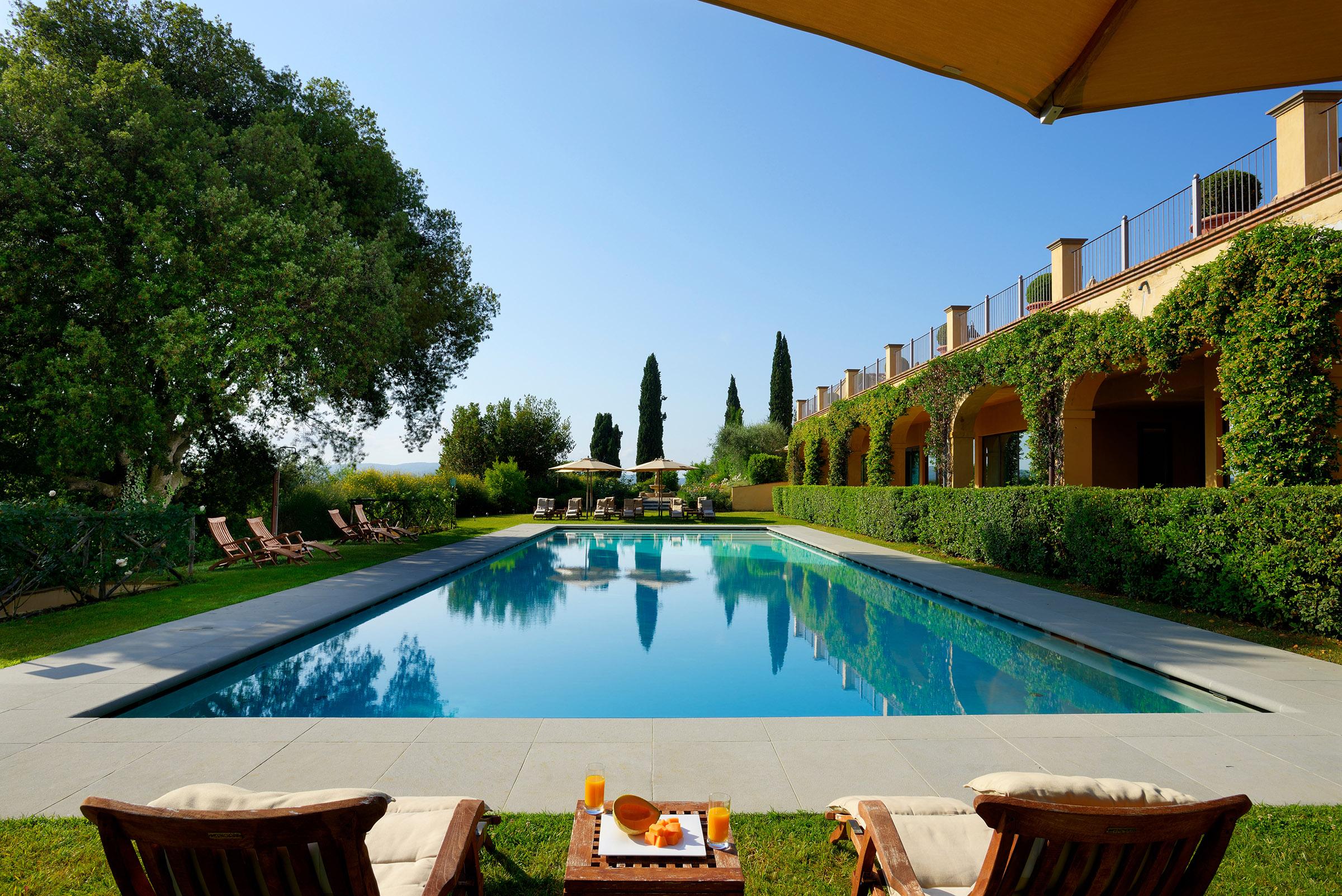 Castello Del Nero outdoor pool.