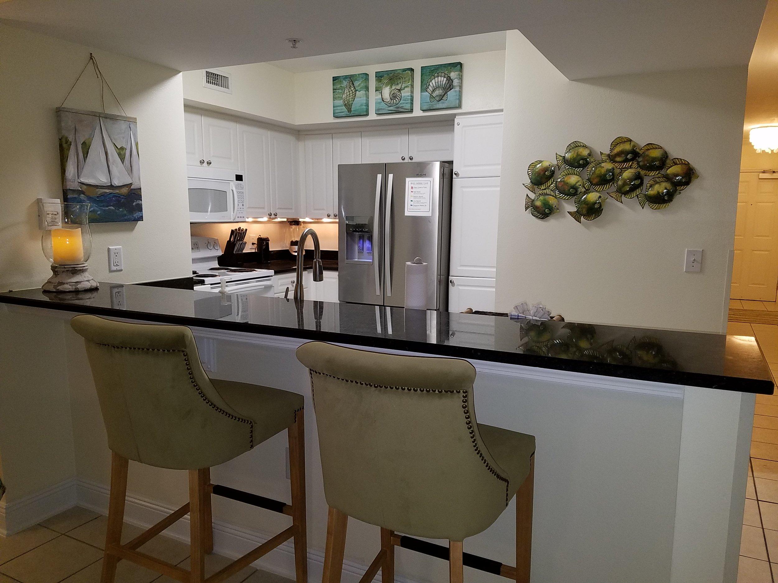 Kitchen bar aream2.jpg