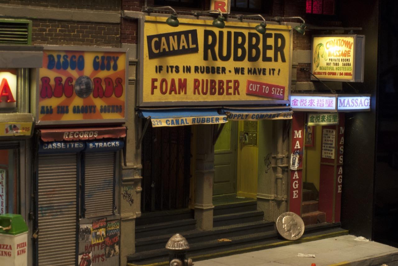 tiny-new-york-alan-wolfson-artist-miniature-sculptures-canal-street-rubber.jpg