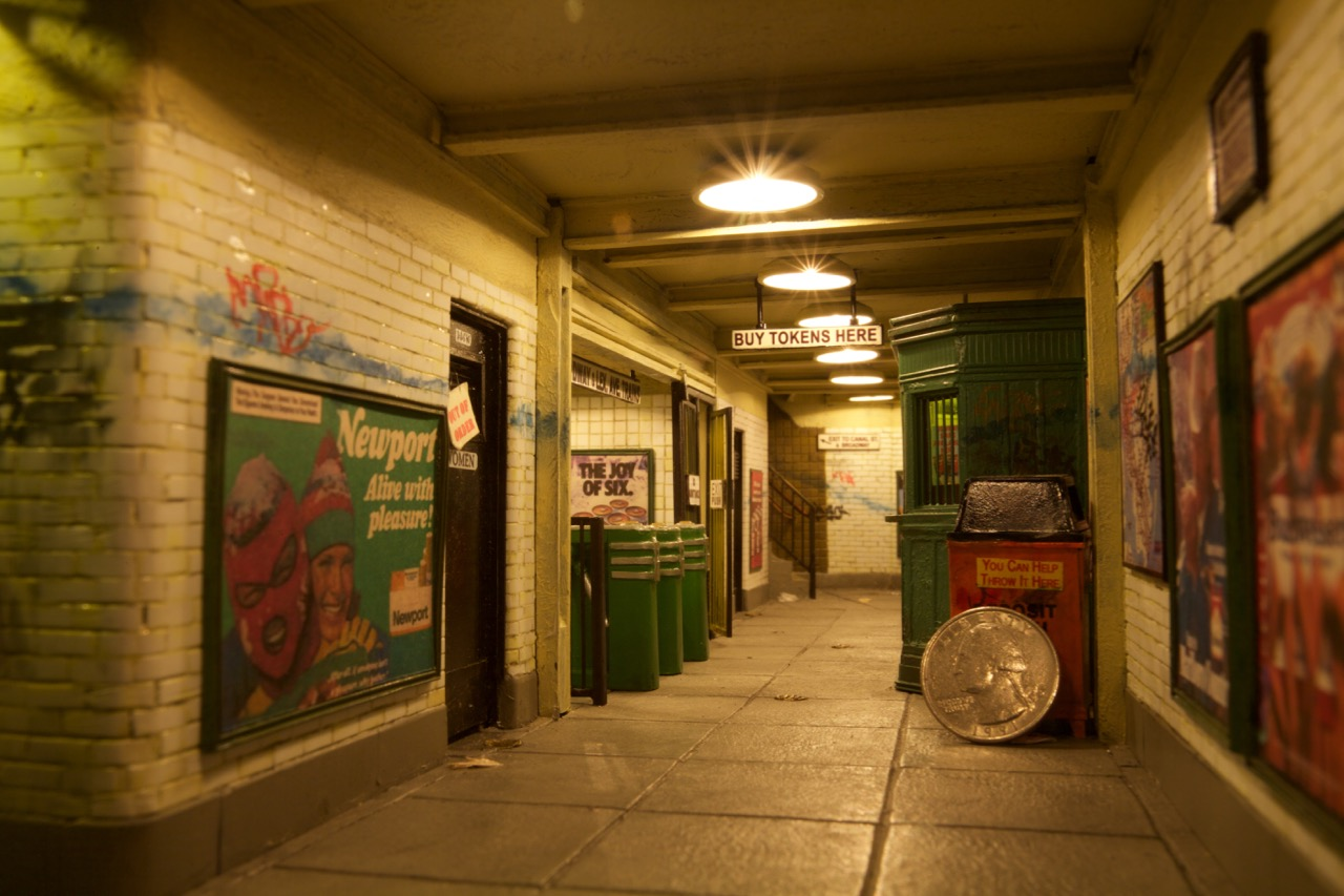 tiny-new-york-alan-wolfson-artist-miniature-sculptures-subway-interior.jpg