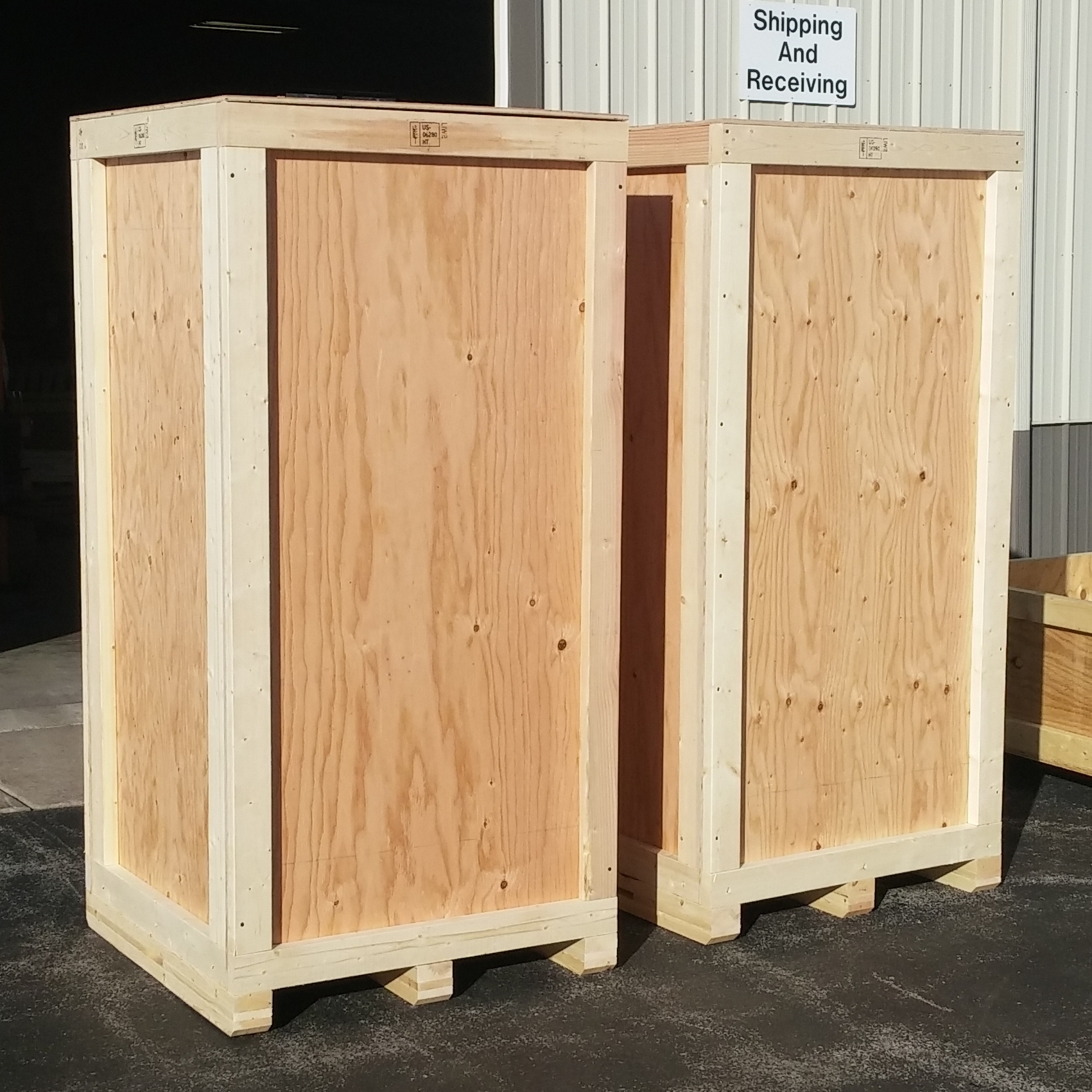 Durable and good looking - Our crates present very well. They do their job and are always strong. No worries for us, or more importantly, you.That's how we like it, and that's what you pay for in a Specialty Crate Factory product.