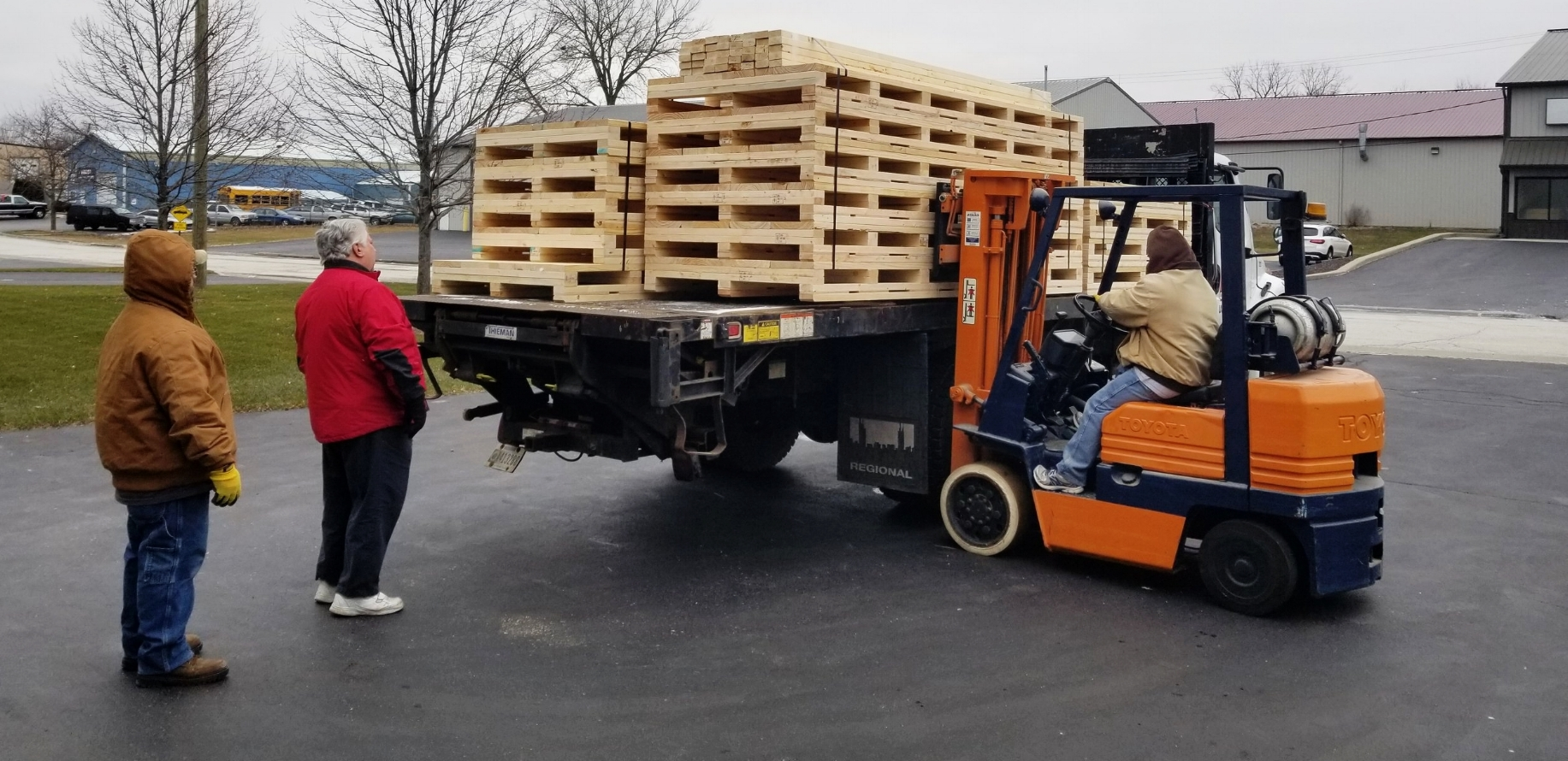Custom Wooden Skids and Pallets -