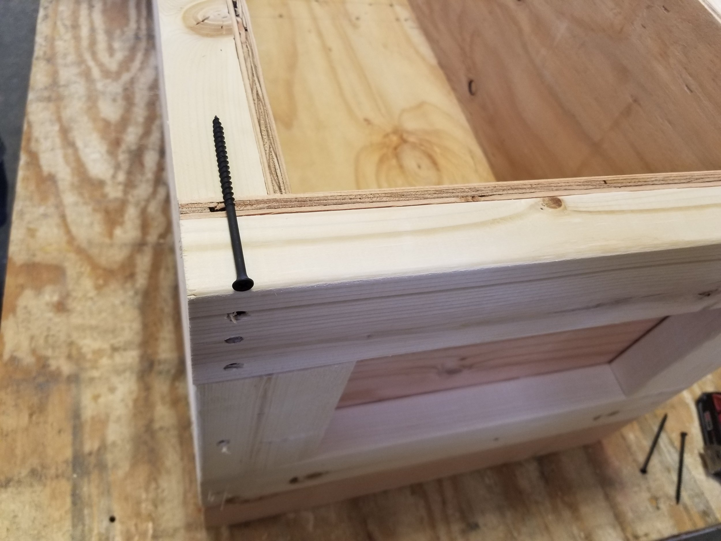 SCREW ASSEMBLY:Why do we use 4-Inch screws almost exclusively? - Because it's faster?…NOBecause it's cheaper?…NOBecause it's stronger?…IT SURE IS!Screw assembling our crates is just a small part of what we do to make a better, stronger wooden shipping crate that always works.