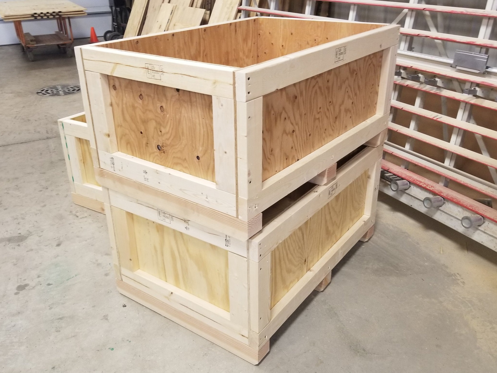 Custom export crates ISPM-15 certified - Wooden crates stamped and certified ISPM-15 compliant for international use.