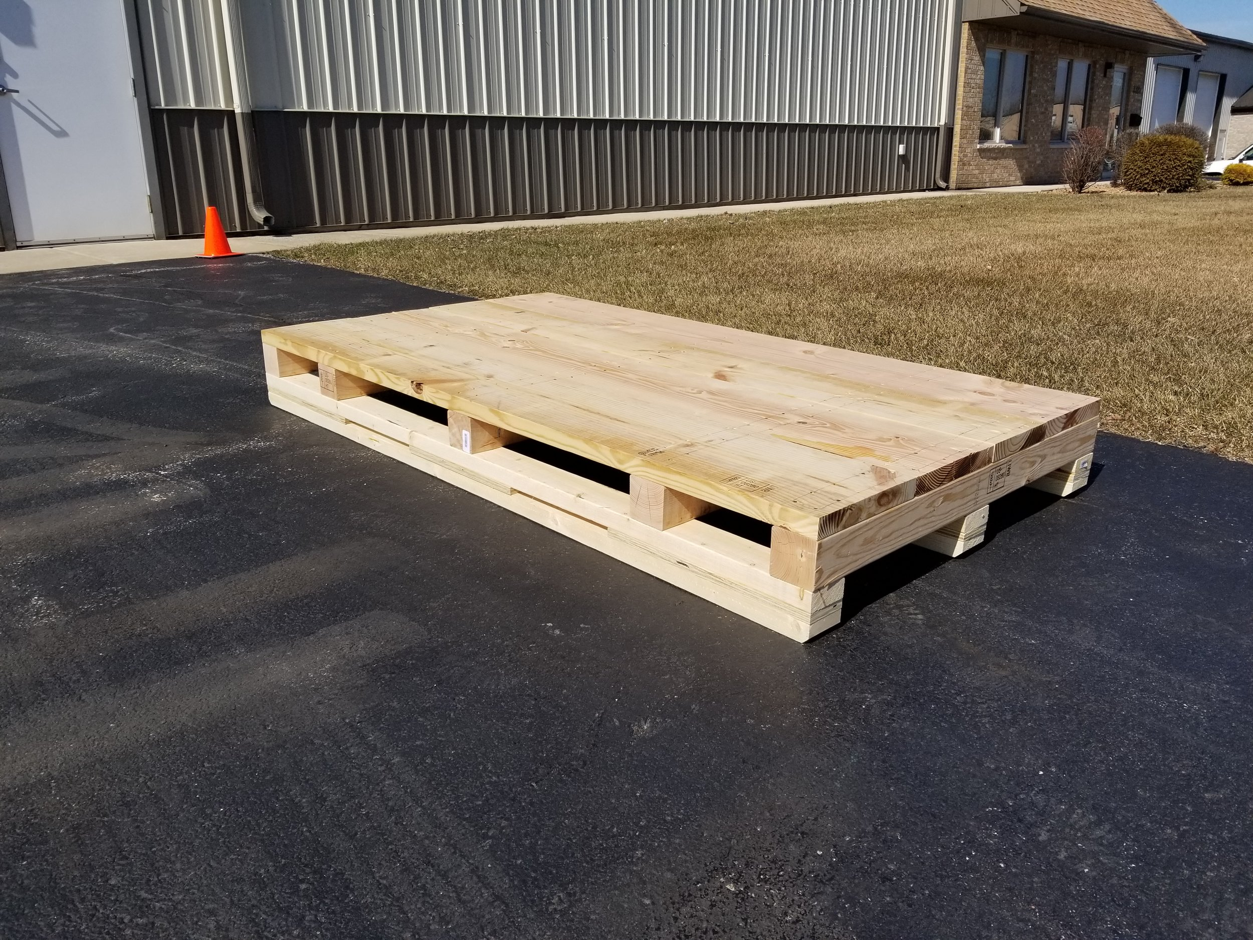 General Heavy Duty skids and Pallets - Our every day, general heavy duty skid/pallet that is great for machinery, machine parts, or other general equipment. A 1-1/2