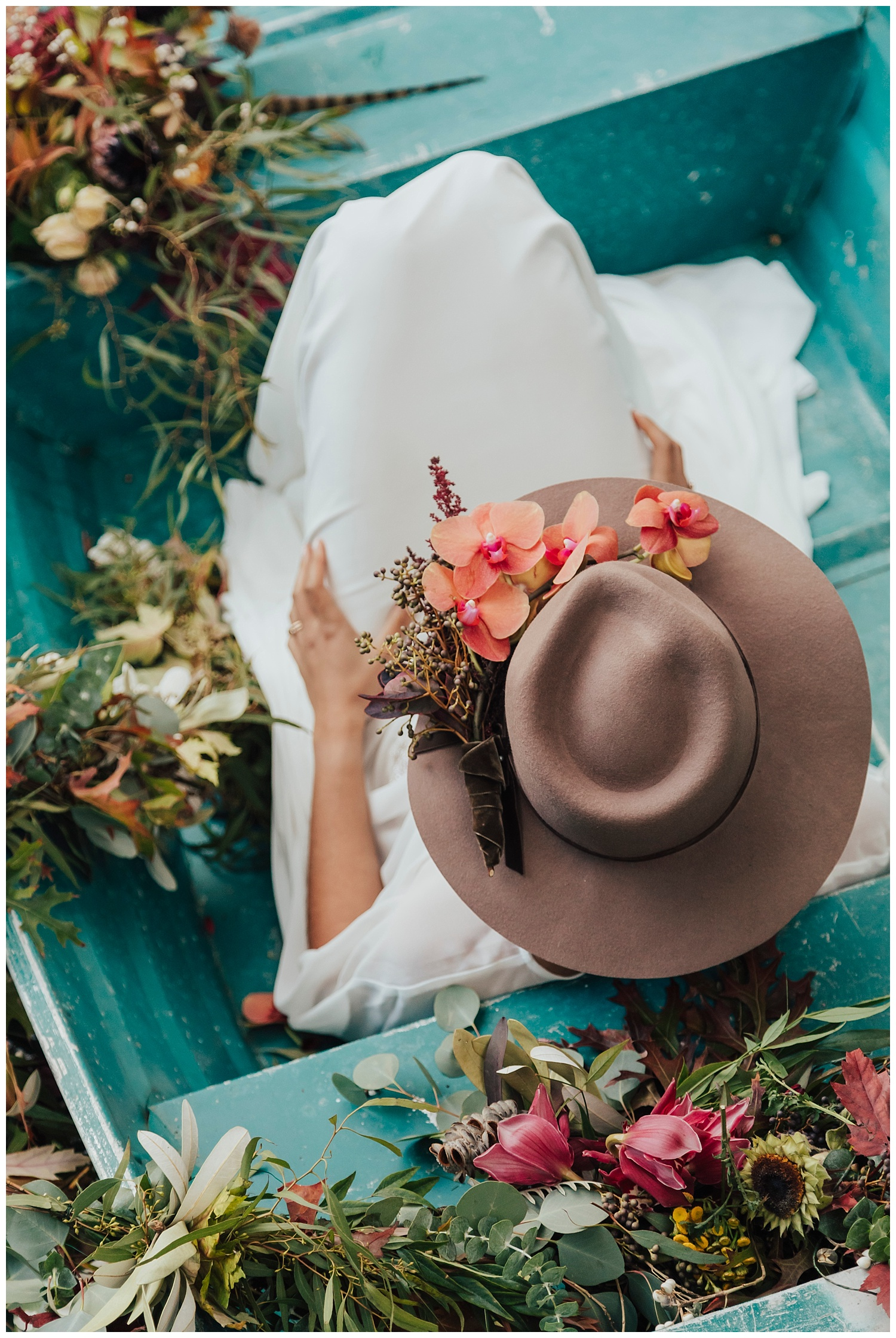carol oliva photography boho bride in boat