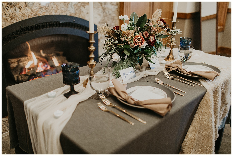 lake-tahoe-winter-wedding-table-setting.jpg