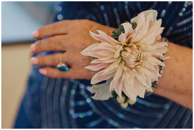 big-sur-wedding-mother-of-the-bride-flowers-carol-oliva-photography.jpg