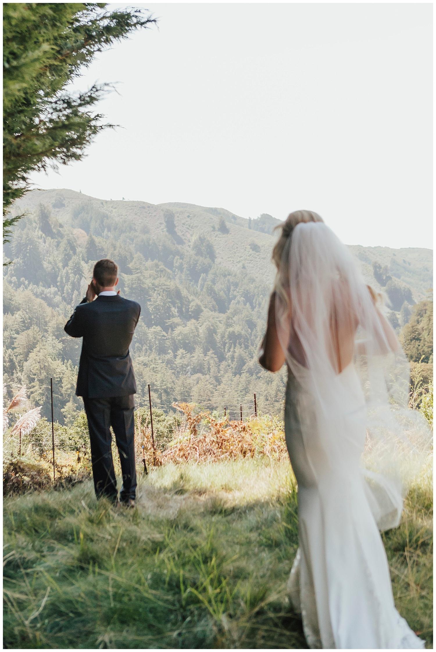 big-sur-wedding-first-look-anticipation-carol-oliva-photography.jpg