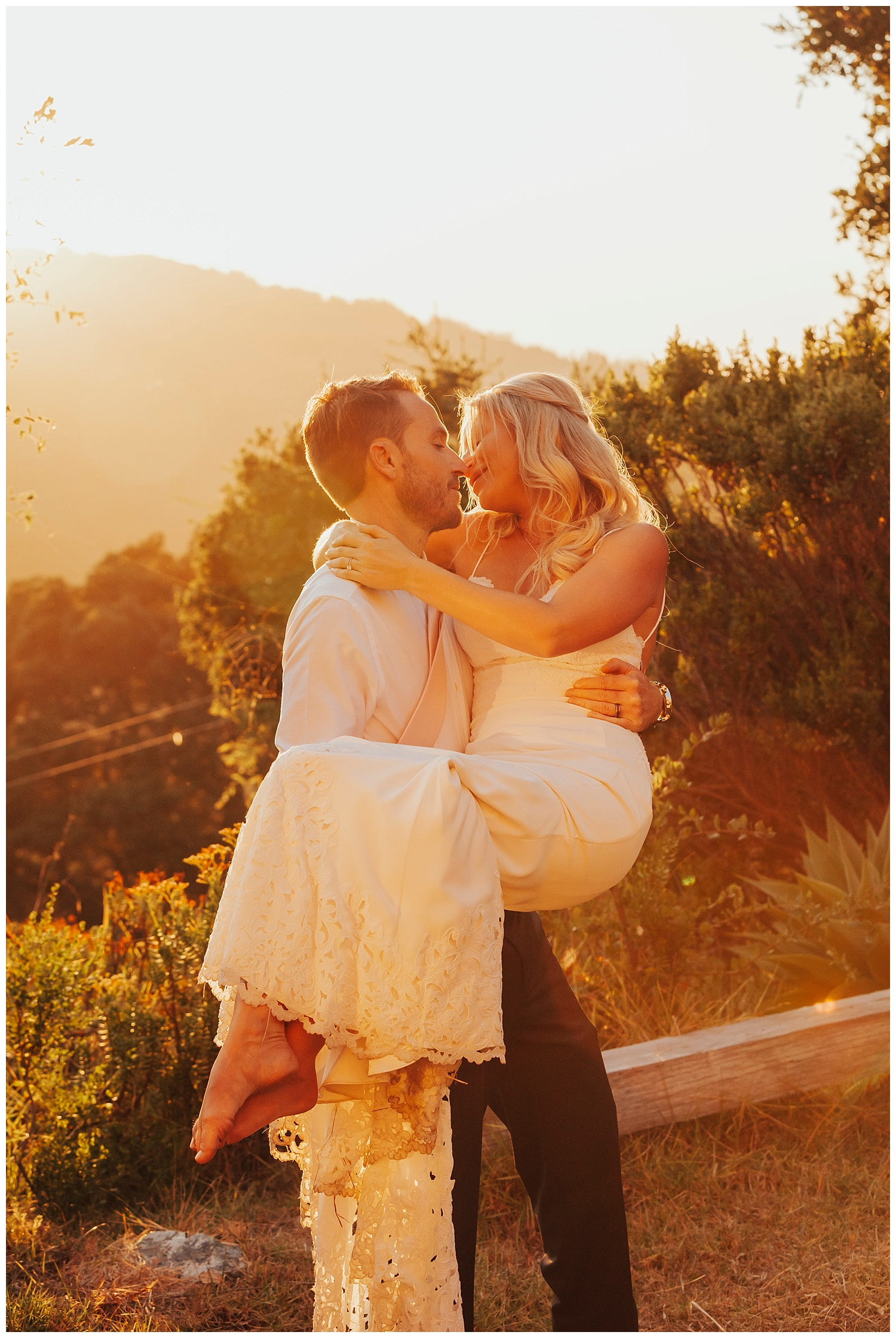 big-sur-sunset-wedding-couple.jpg