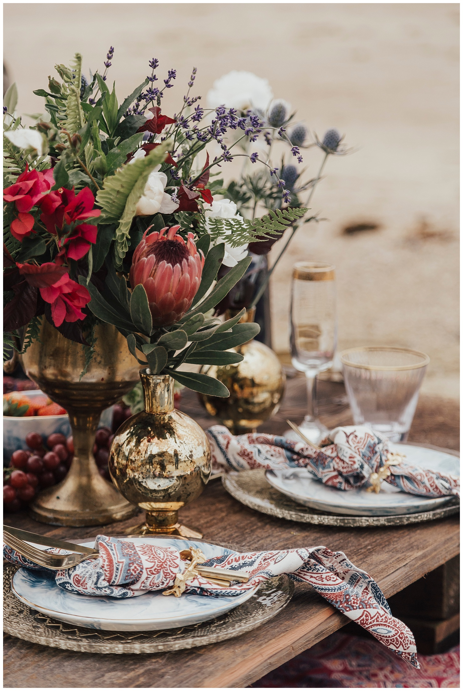 red-white-blue-boho-table-setting