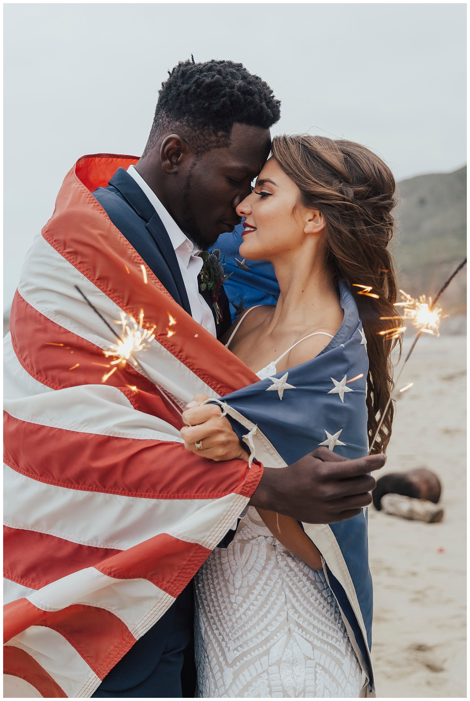 American-flag-inspired-elopement-big-sur.jpg