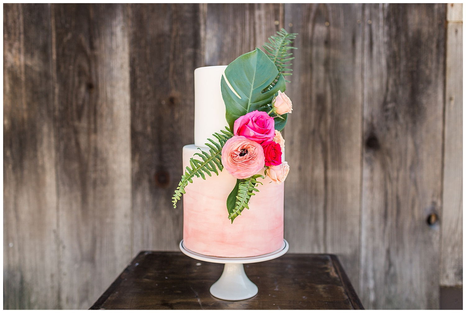 Tropical-cake-autumn-cake-design-higuera-styled-shoot.jpg