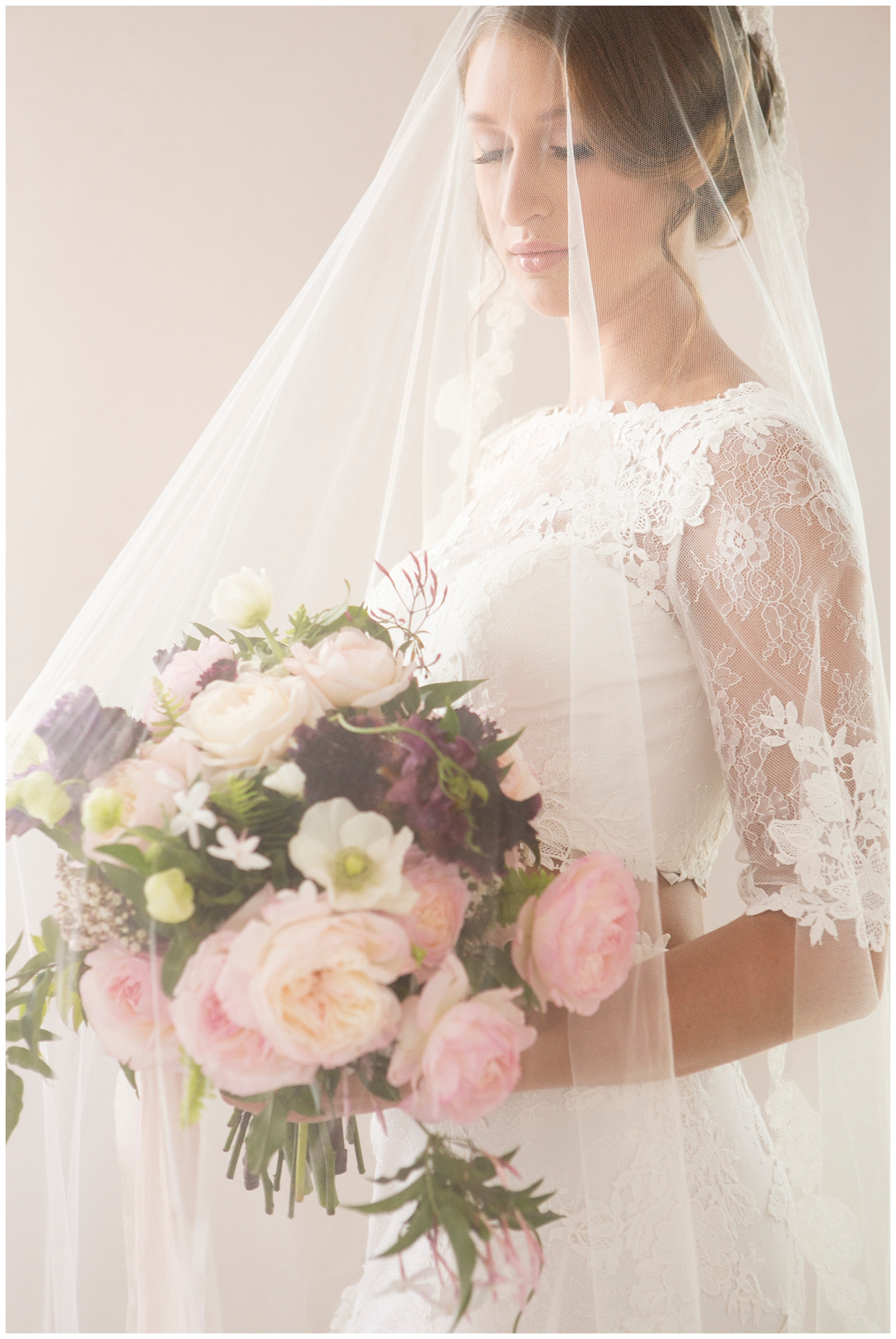Bridal-Veil-inspiration-Epiphany-Boutique-Carol-Oliva-Photography.jpg