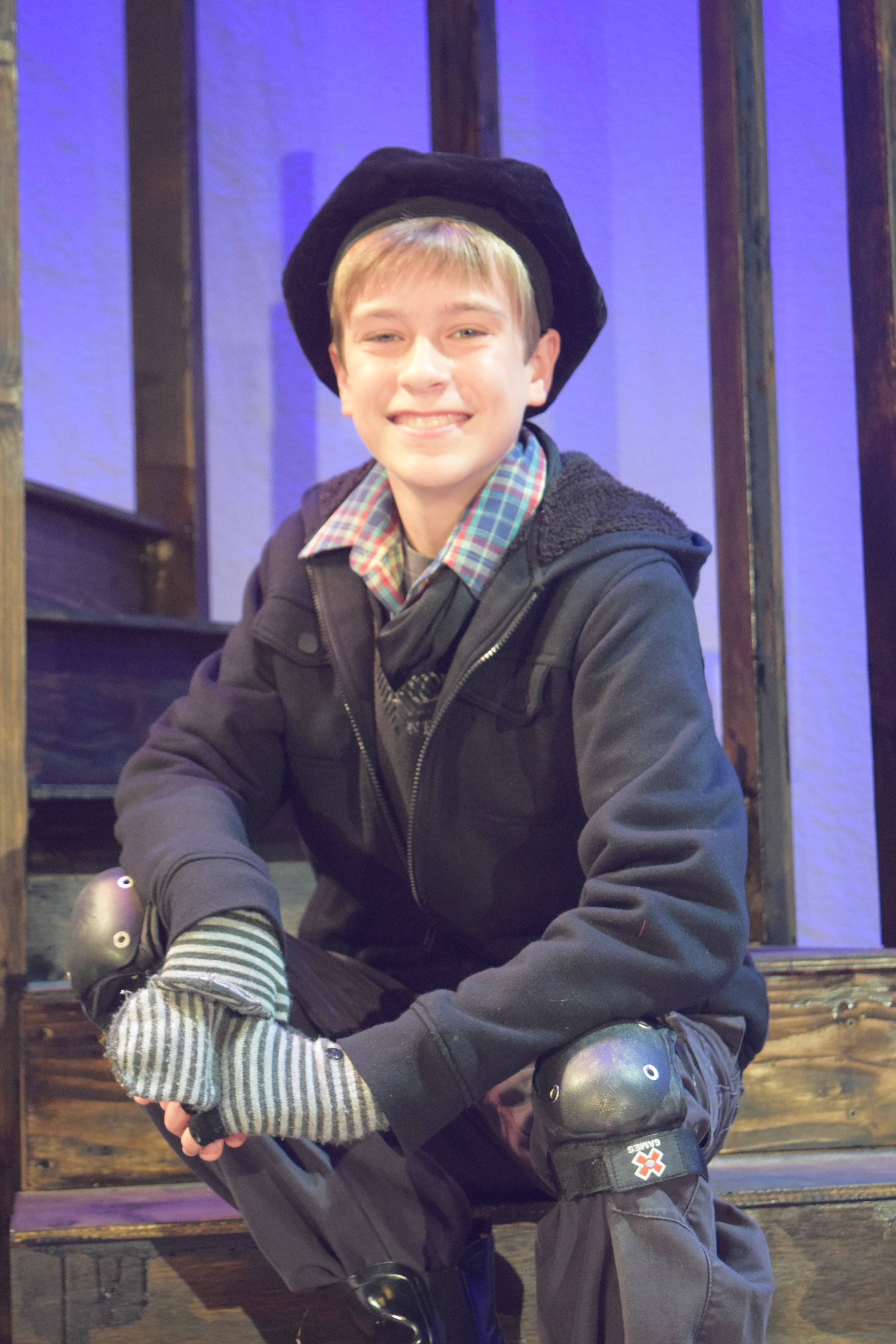 Owen Kupferer as Joly