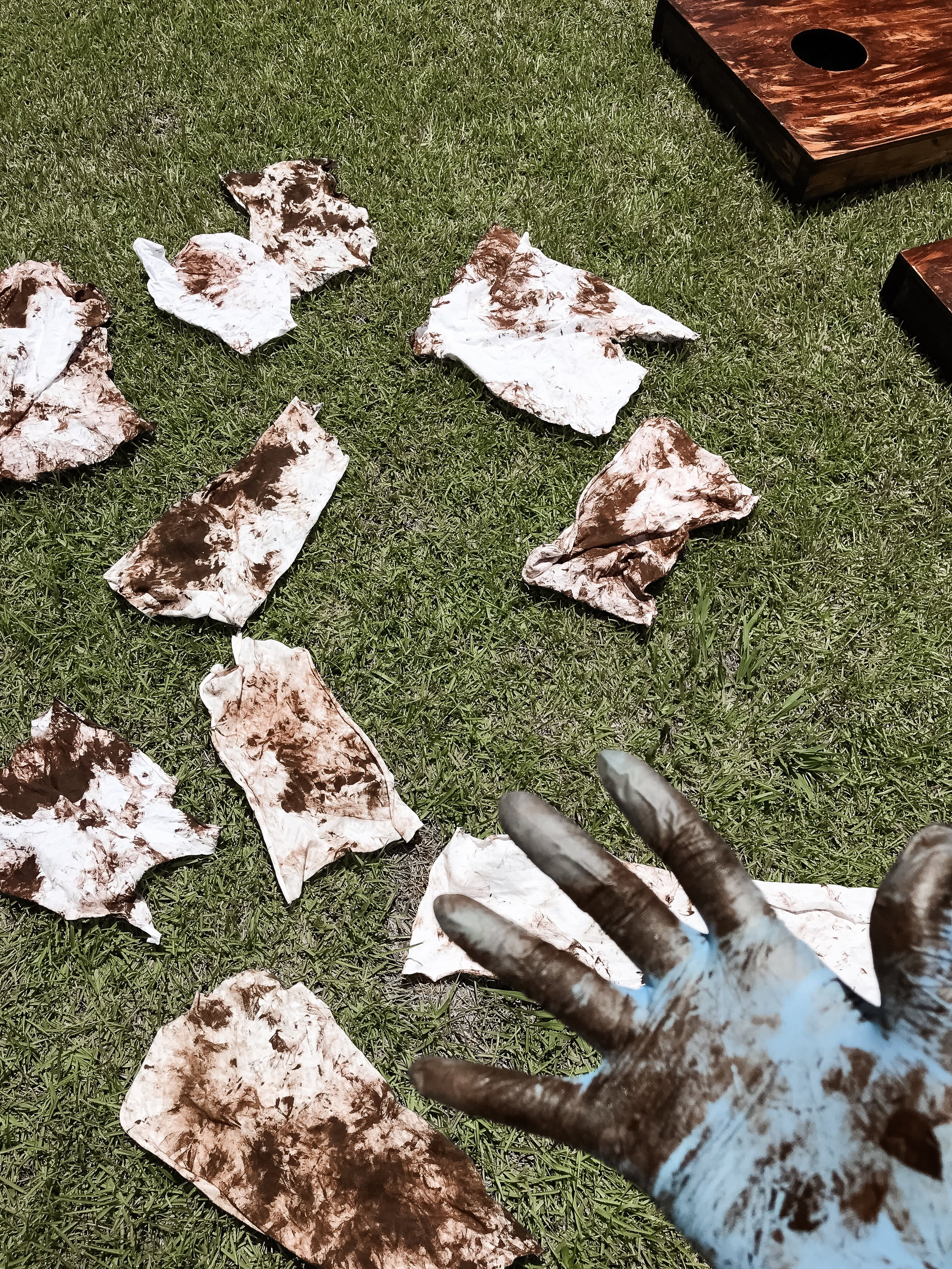 WARNING: spread used cloths out to dry in the sun. DO NOT ball them up throw away. The chemicals in the stain can combust when stored that way.
