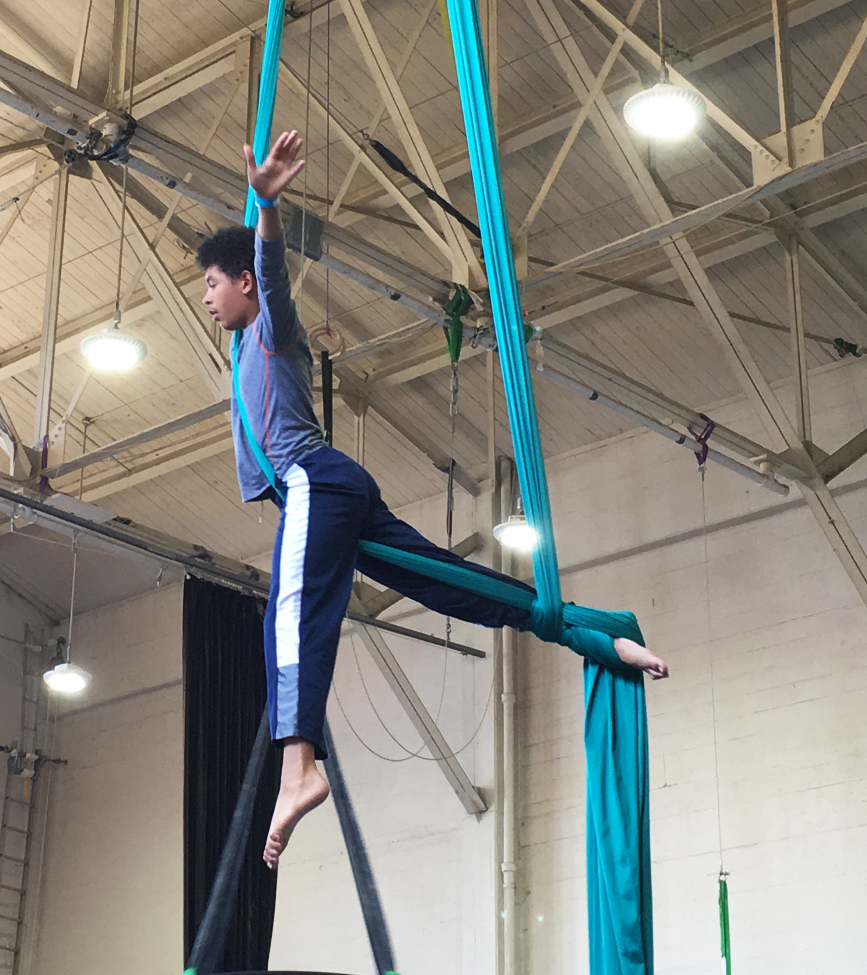 Intro to Aerial   Ages 5.5-7  Tuesday 3:00pm | 55 minutes