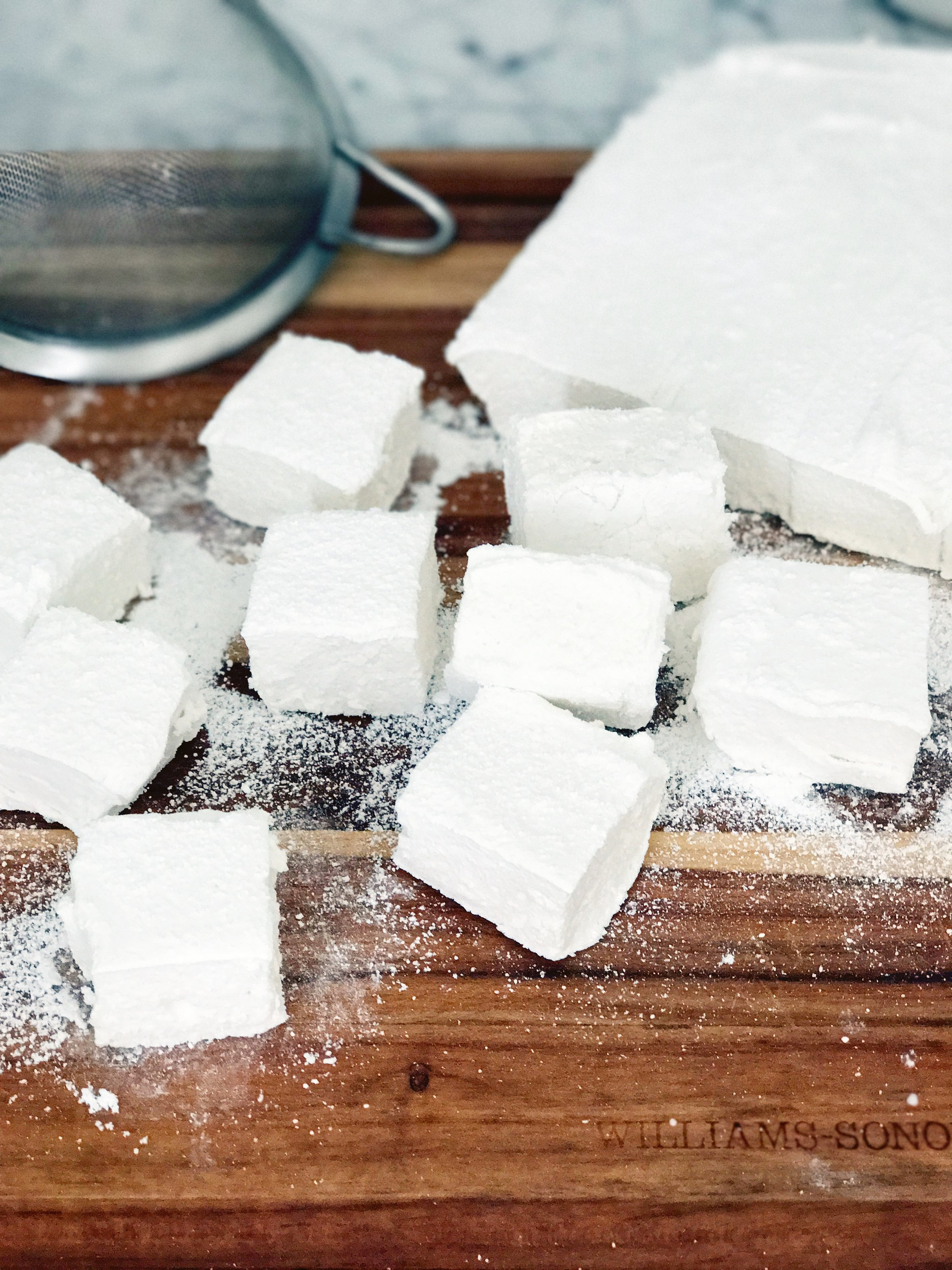 Homemade Marshmallows - easy + Delish  = my jam