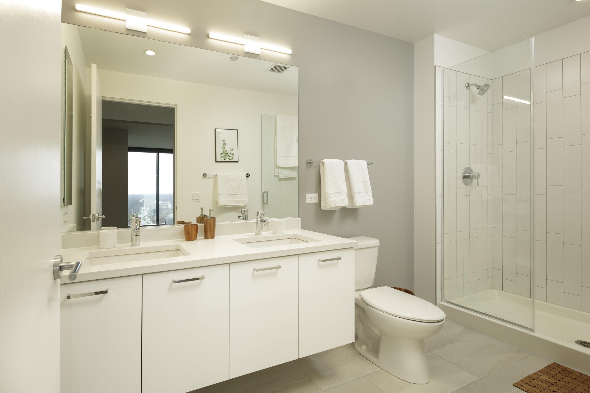 Solstice_2bed_Bathroom-1105_SS.jpg