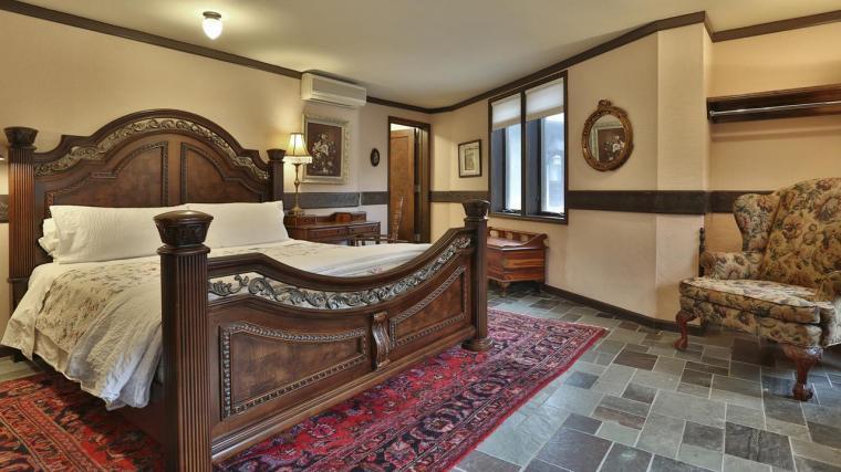 Stone-Chalet-Bed-Breakfast-Inn-photos-Exterior-Stone-Chalet-Bed-Breakfast-Inn.JPEG