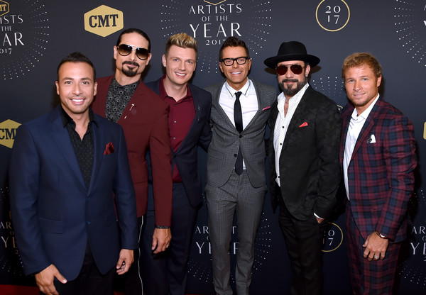 Bobby+Bones+2017+CMT+Artists+Year+Arrivals+AldOVS0E4-xl.jpg