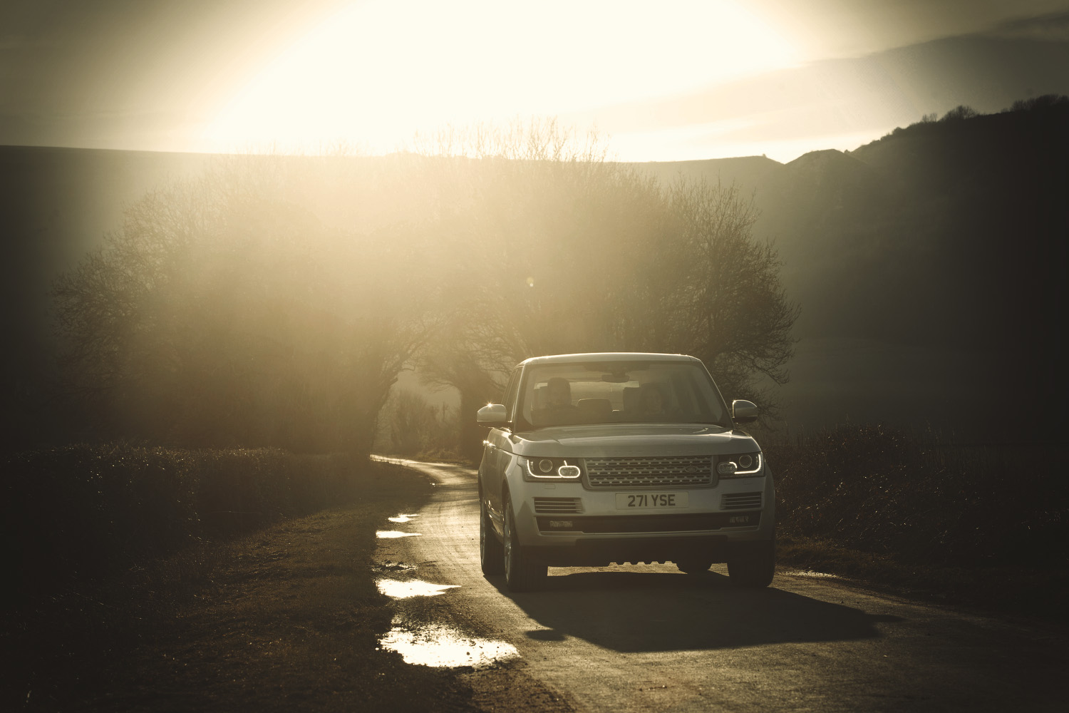 Range Rover Commercial advertising automotive photography shoot.  off road in the Sussex for Land Rover. Packshot. Highlighting the Great British Outdoors, craftmanship, rural life and heritage brands. food photography still life.