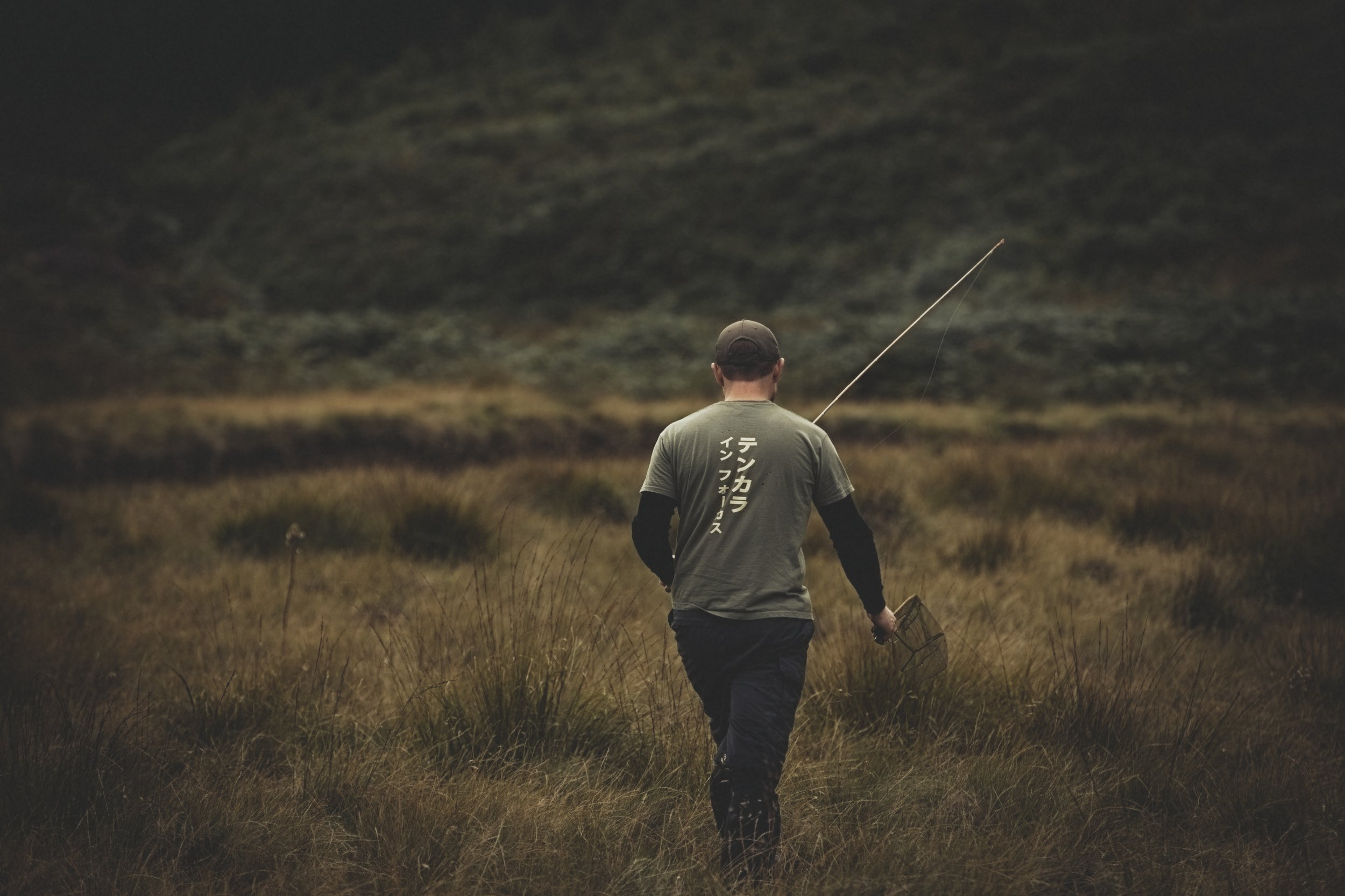 walking back to the car after a tenkara fly fishing trip