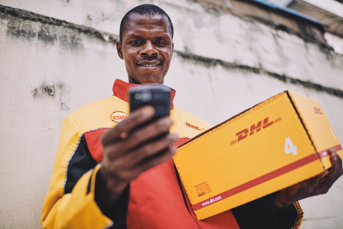 reportage business and corporate photography of DHL by london and yorkshire based portrait and advertising photographer matthew lloyd 0039.JPG