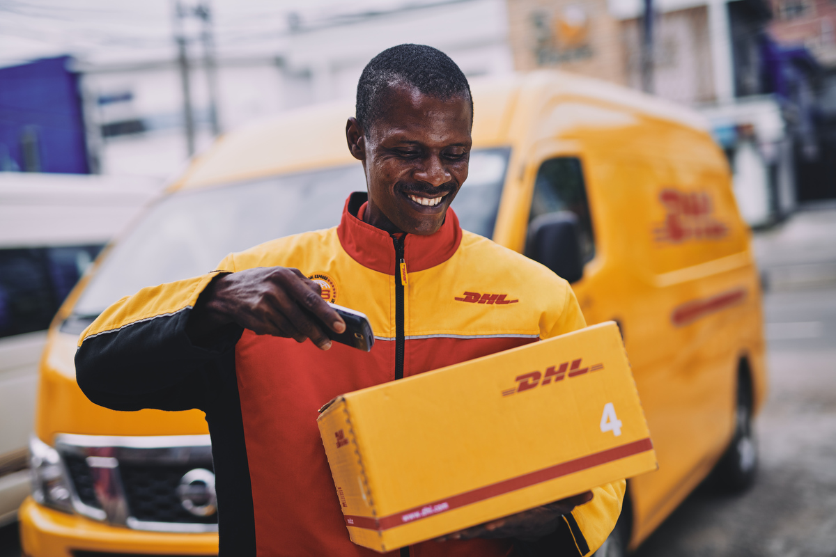 reportage business and corporate photography of DHL by london and yorkshire based portrait and advertising photographer matthew lloyd 0030.JPG