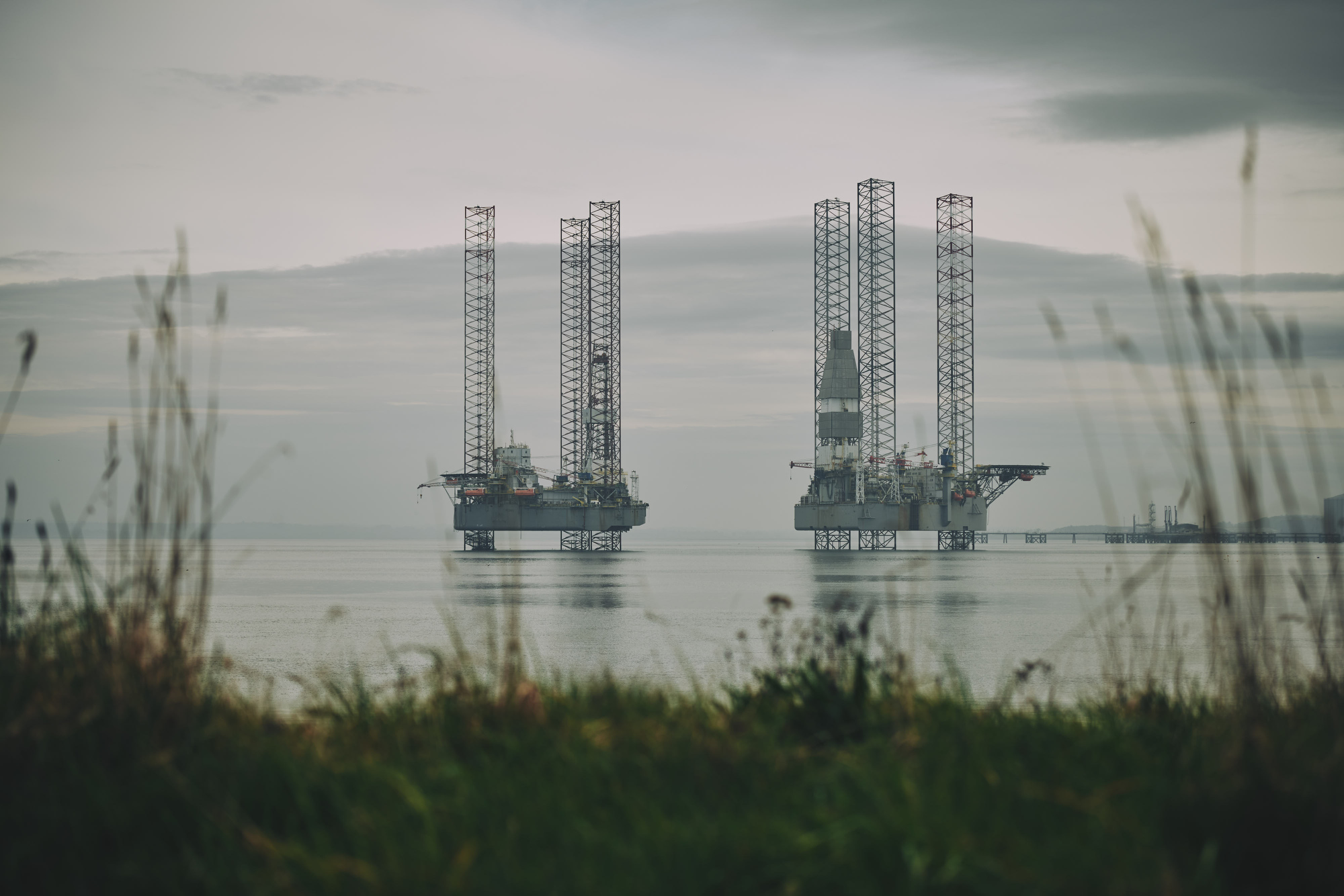 firth of cromarty oil rigs by industrial photographer matthew lloyd offshore photography 0081.JPG