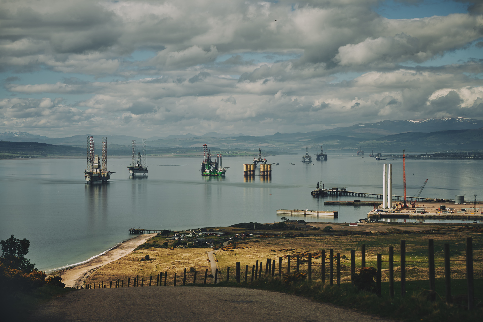 firth of cromarty oil rigs by industrial photographer matthew lloyd offshore photography 0083.JPG
