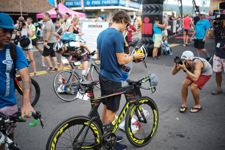 The Kona Bike Check-In and Official Count - November 2, 2017By Andres Douzoglou