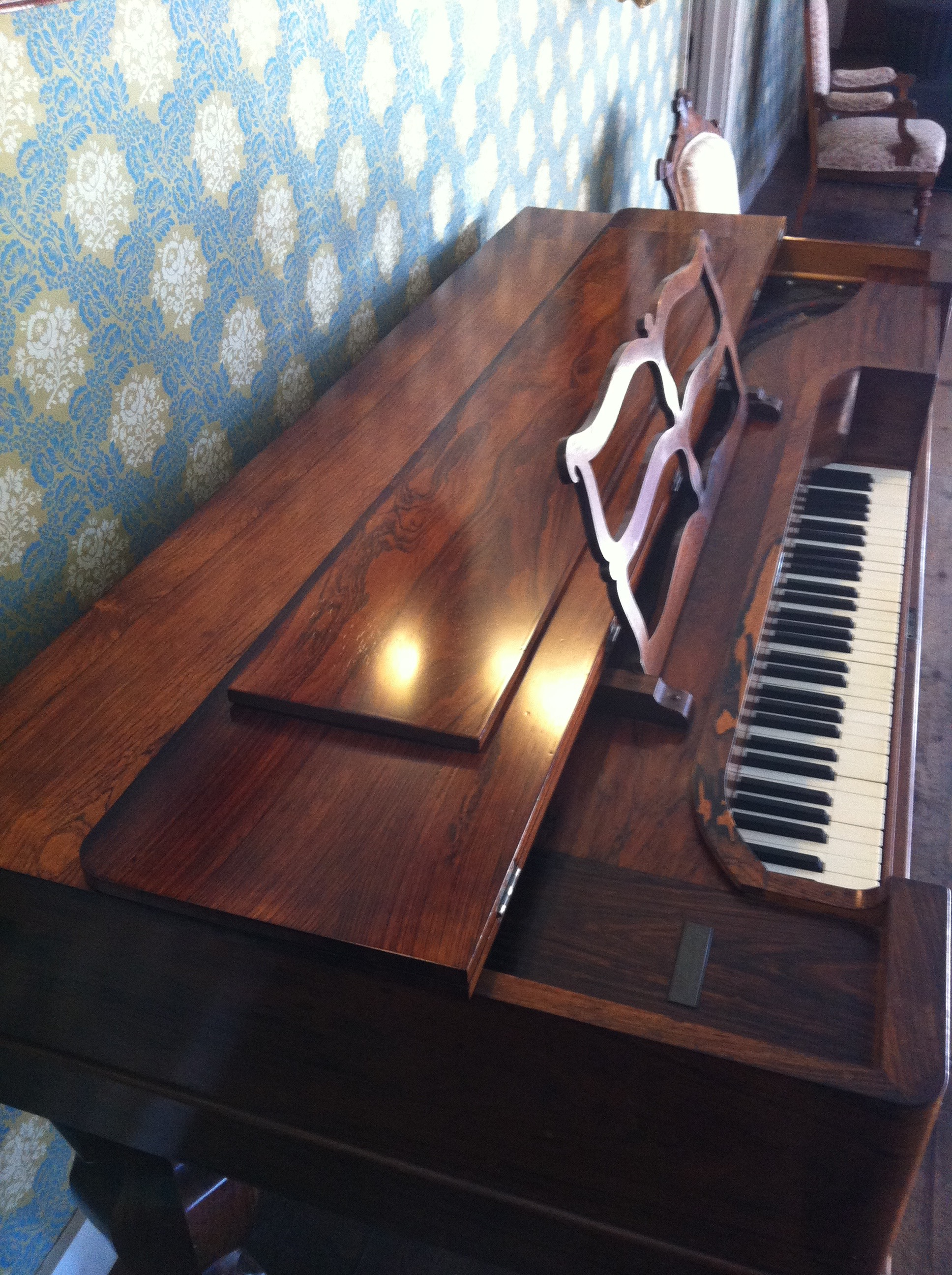 AFTER - Historic Toscano Hotel piano