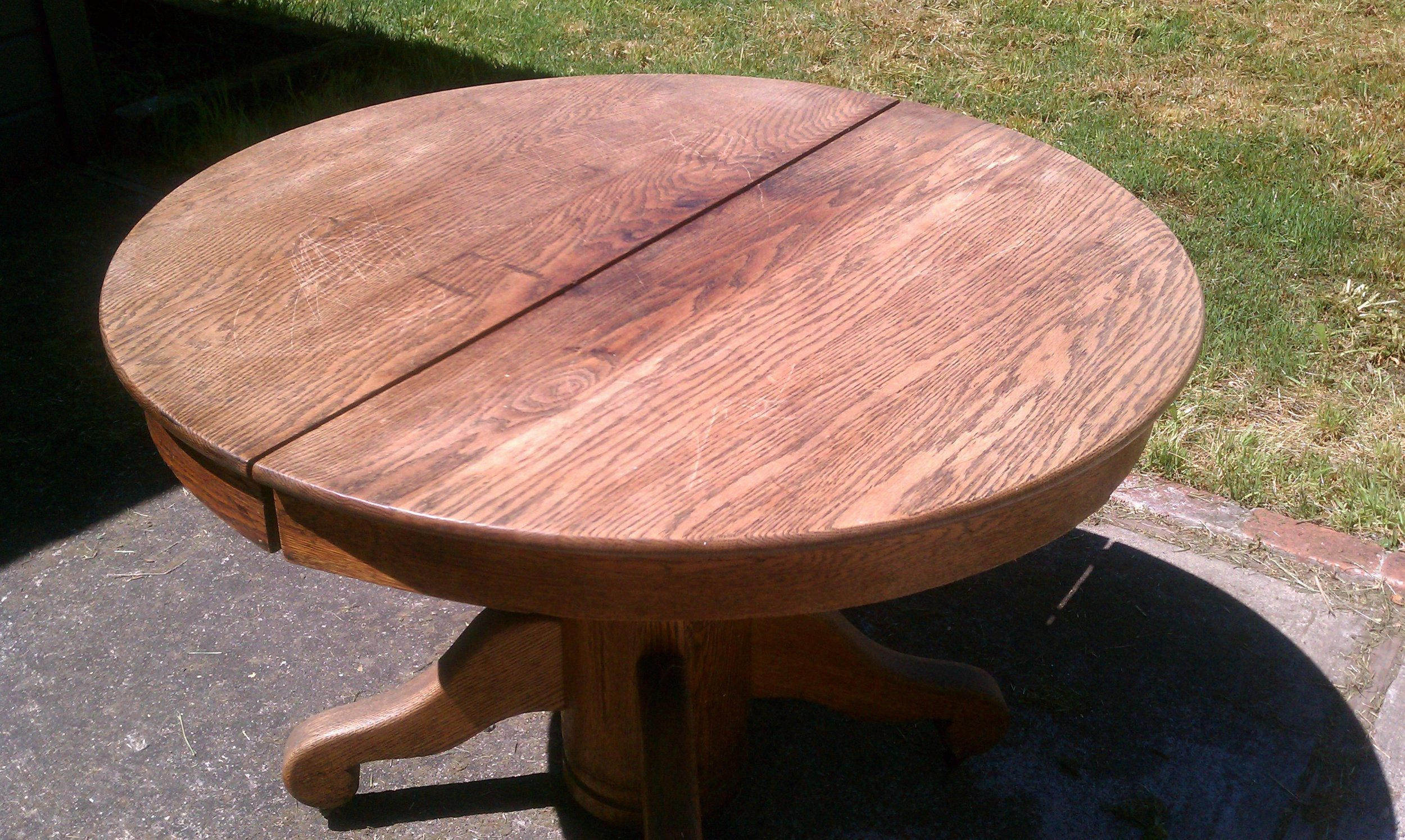 BEFORE - Oak pedestal table