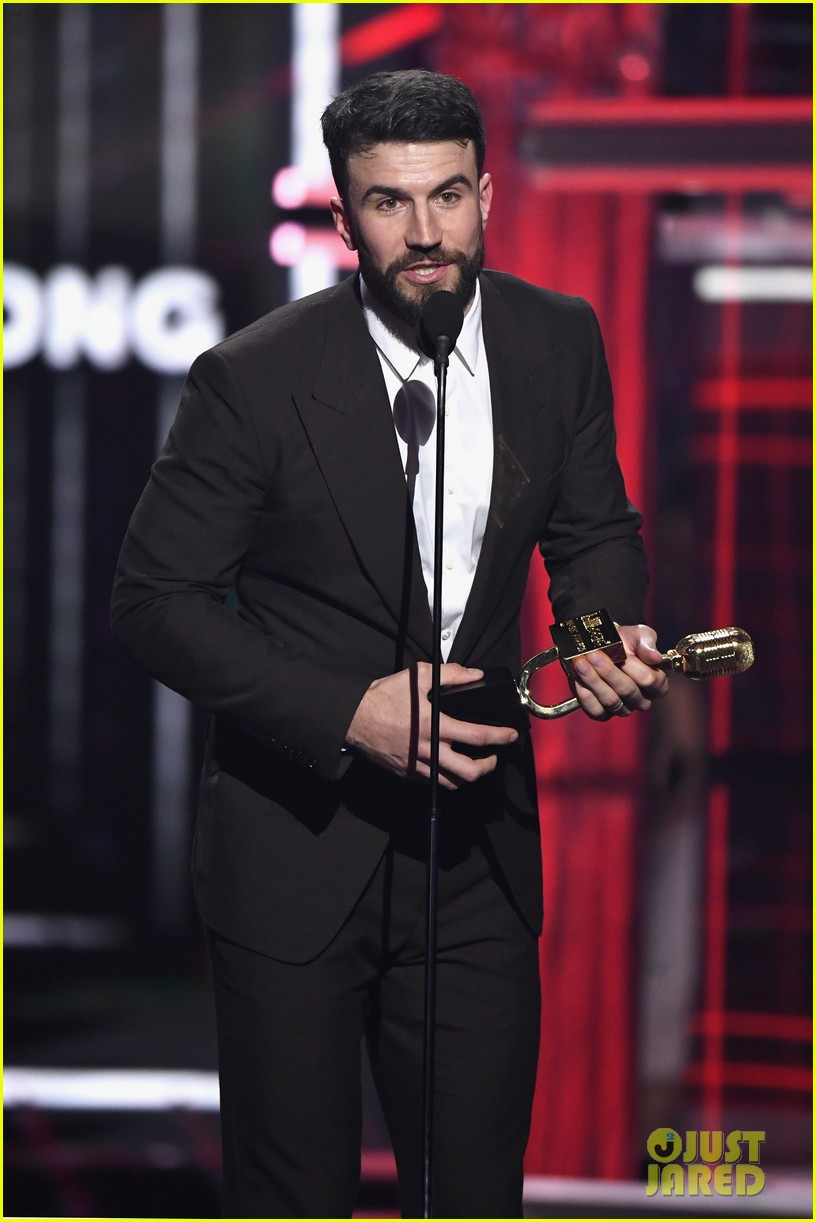 sam-hunt-bbmas-2018-02.jpg