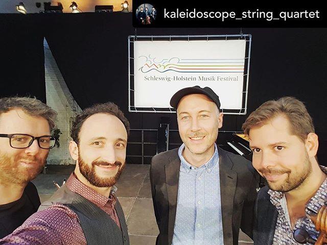 #afterconcert #selfie: the @kaleidoscope_string_quartet at @schleswigholsteinmusikfestival!  #concert #stringquartet #streichquartett #groovy #kaleidoscopestringquartet #ksq #schleswigholsteinmusikfestival #gutstockseehof #violin #viola #violoncello #shmf